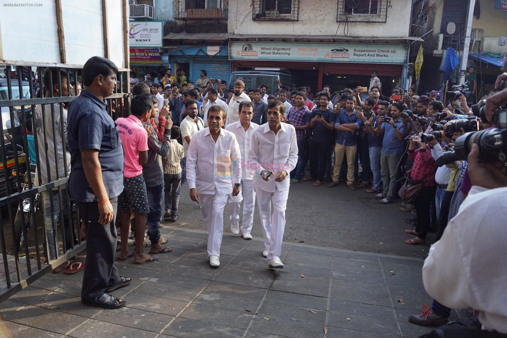 Abbas Mastan at the Final Rite Of Director Neeraj Vora on 14th Dec 2017