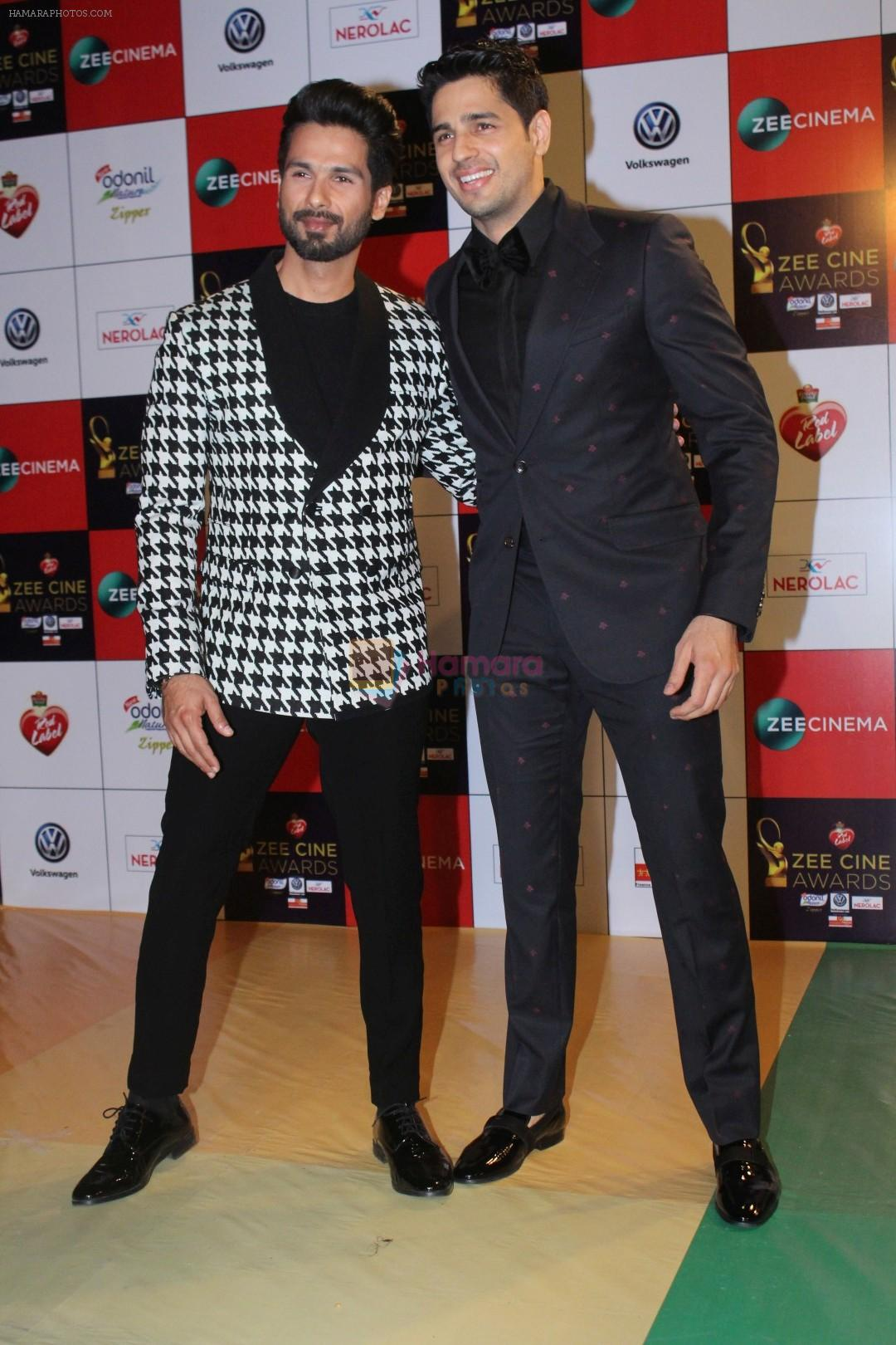Sidharth Malhotra at the Red Carpet Event Of Zee Cine Awards 2018 on 19th Dec 2017