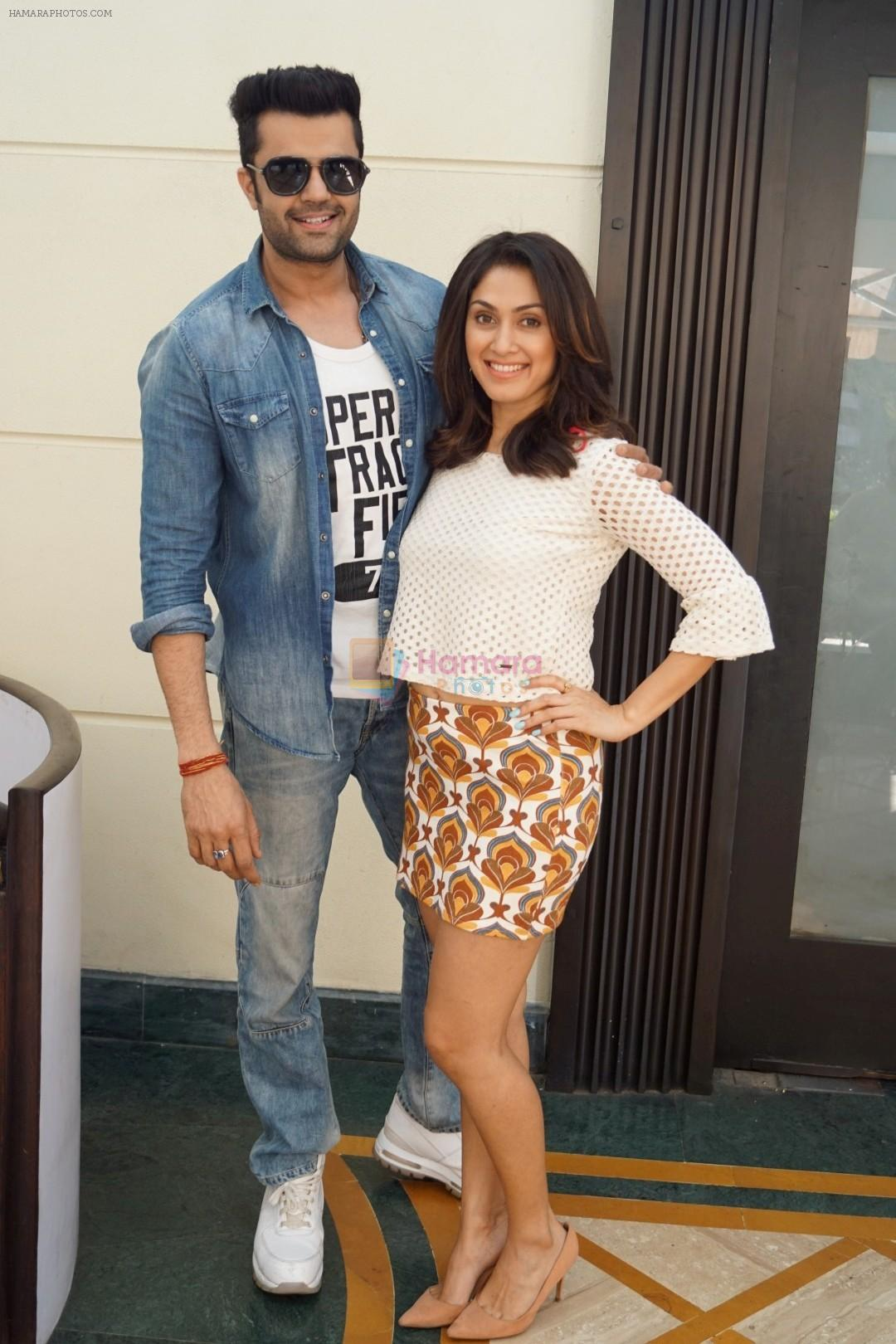 Manish Paul, Manjari Phadnis Spotted For Promotion of Film Baa Baaa Black Sheep on 8th March 2018
