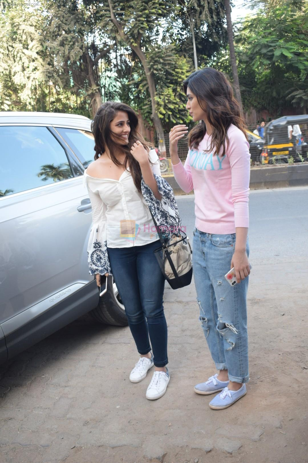 Kriti Sanon And Nupur Sanon Spotted At Juhu For Shoot Of Miss Malini Show on 23rd March 2018