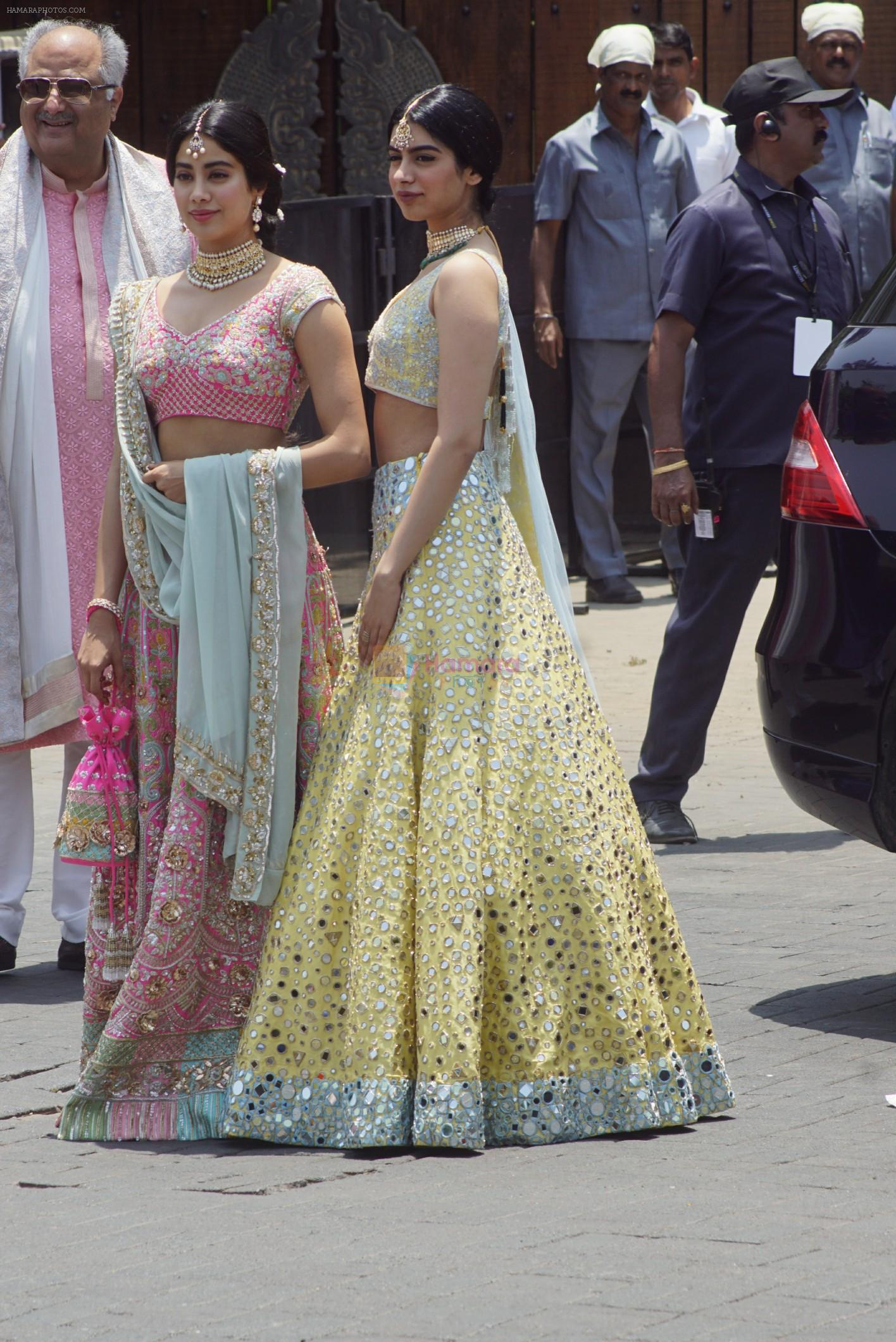 Janhvi Kapoor, Khushi Kapoor, Boney Kapoor at Sonam Kapoor Anand Ahuja's wedding in rockdale bandra on 8th May 2018