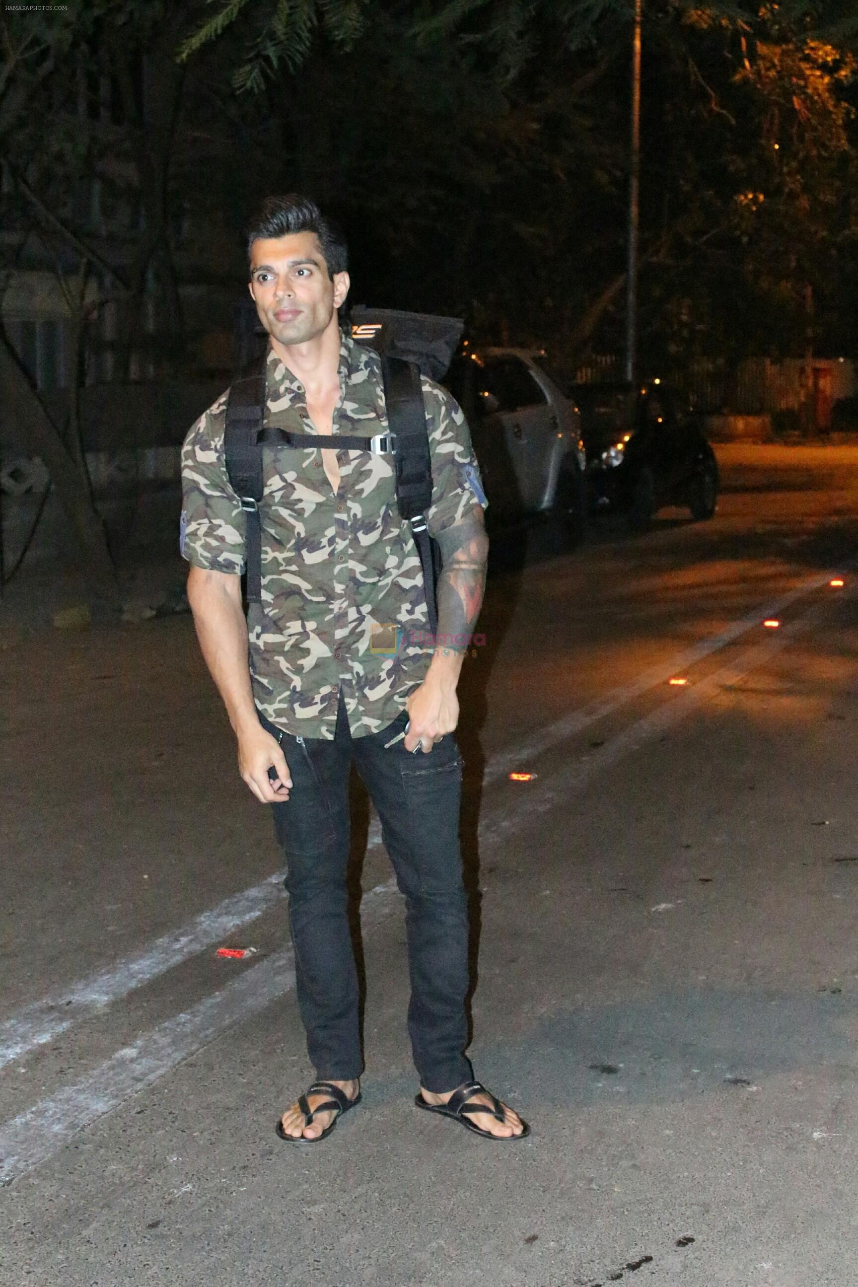 Karan Singh Grover spotted at Bandra on 15th May 2018