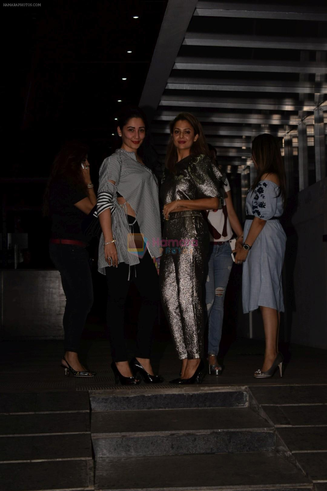 Manyata Dutt, Amrita Arora spotted at Hakkasan in bandra on 16th May 2018