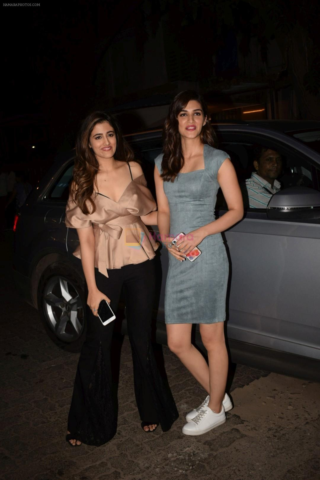 Kriti Sanon, Nupur Sanon at Mukesh chhabra's birthday party on 26th May 2018