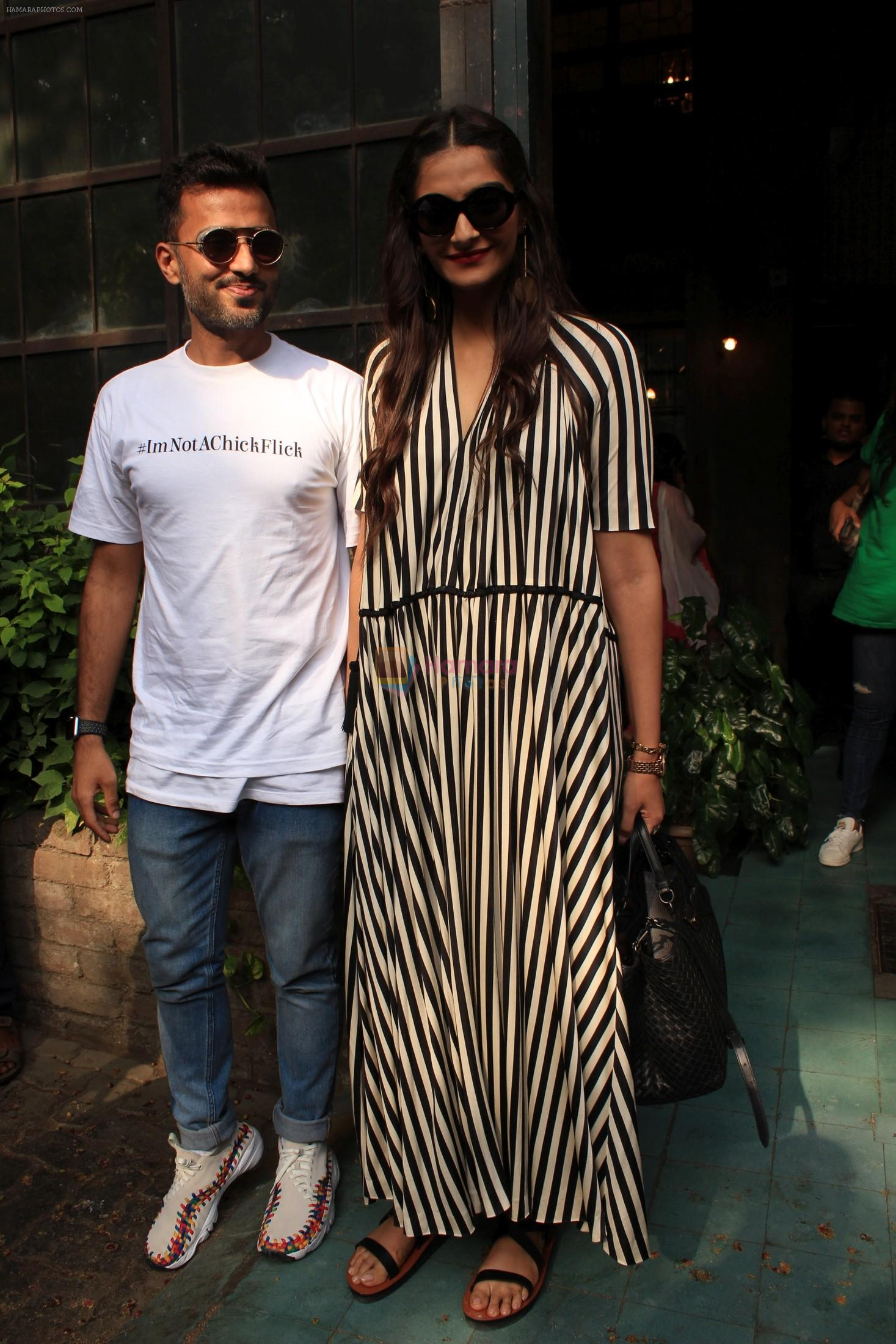 sonam Kapoor and Anand Ahuja spotted at pali vilage cafe on 1st June 2018