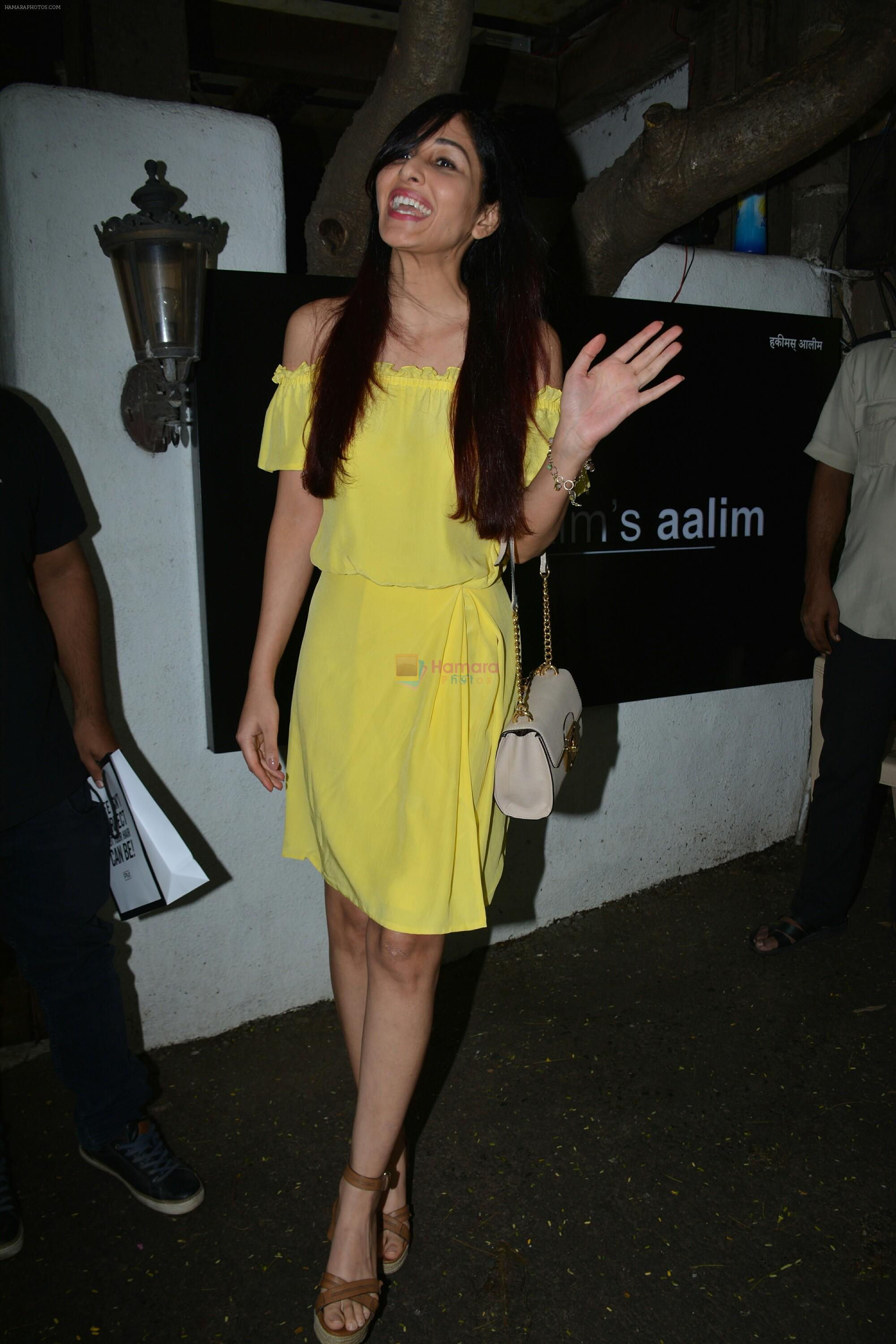 Pooja chopra spotted at Hkim Aalim salon in bandra on 12th July 2018