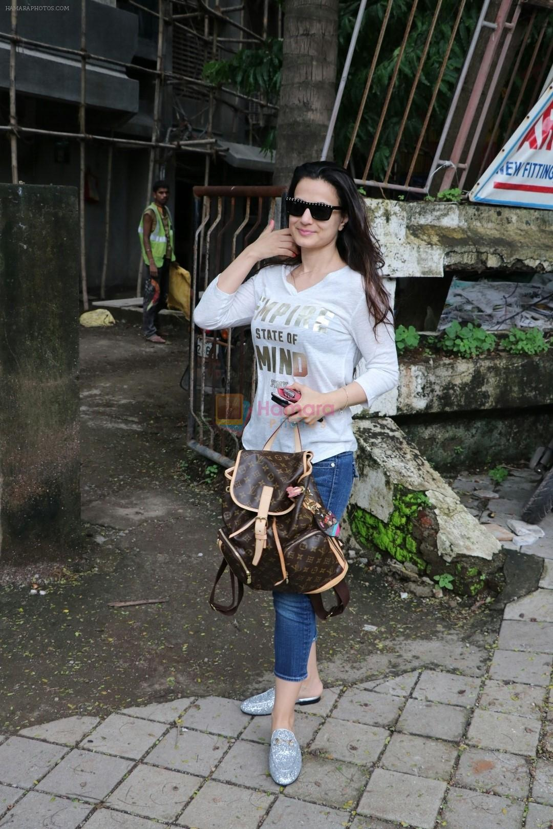 Ameesha Patel spotted at Kromakay Salon in juhu on 22nd July 2018