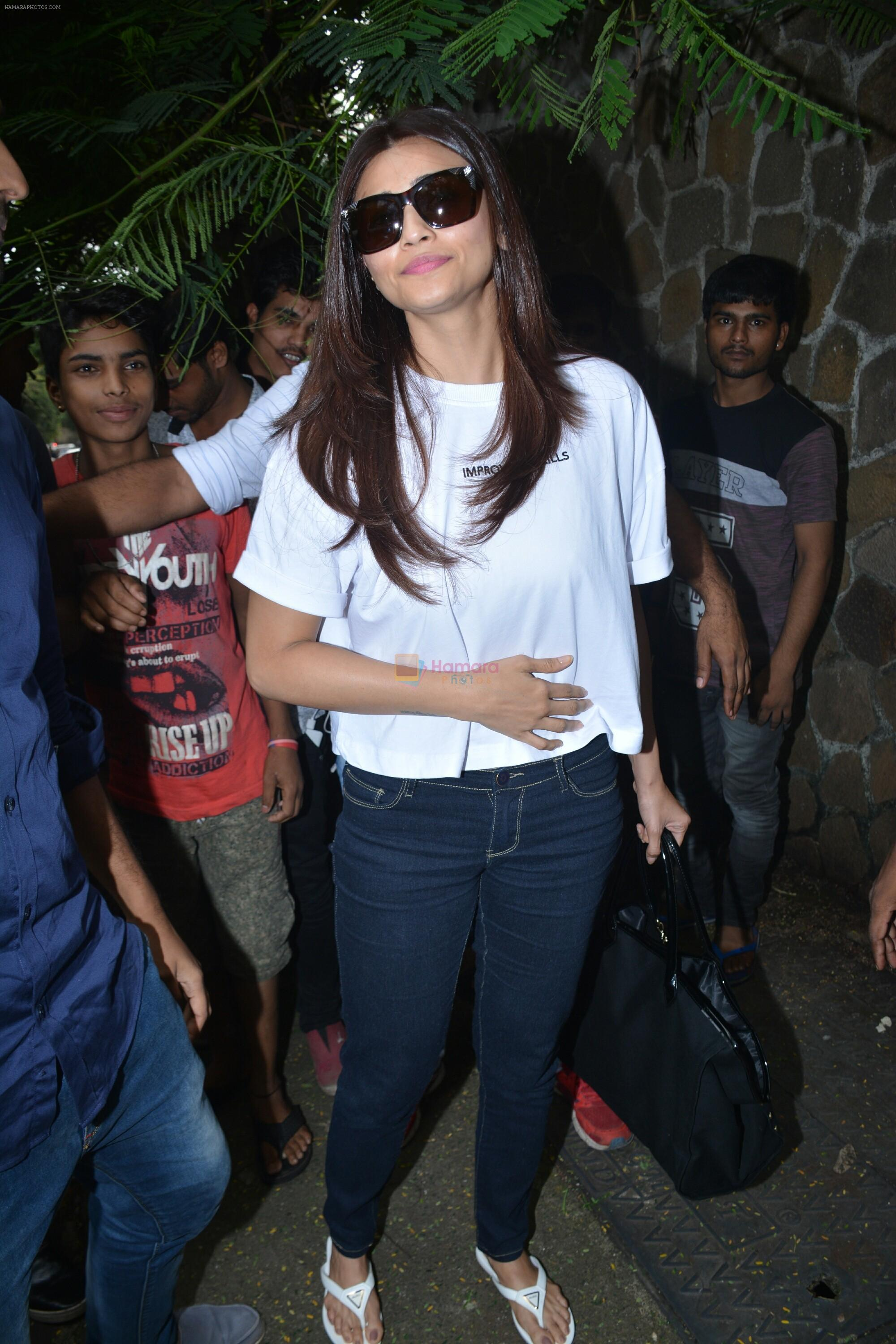 Daisy Shah Spotted At Bandra on 30th July 2018