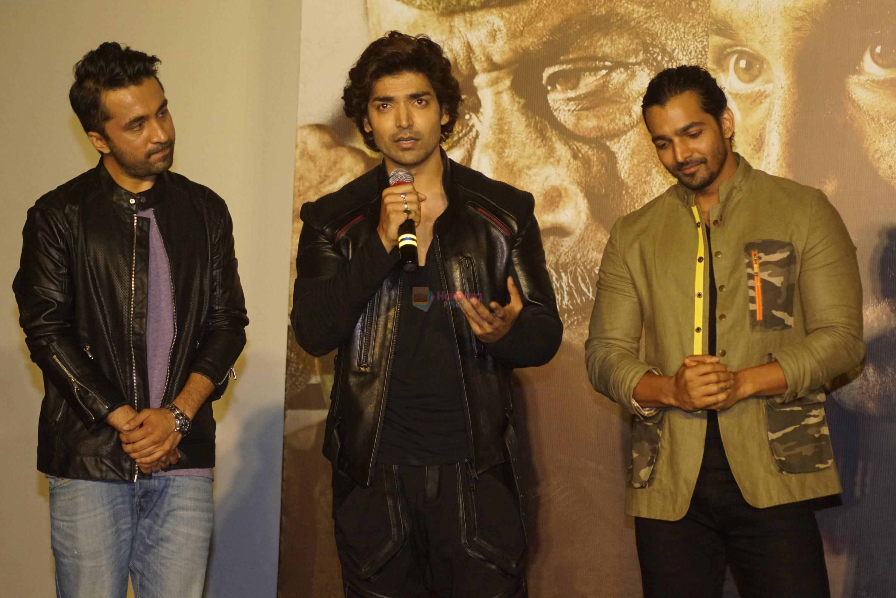 Harshvardhan Rane, Gurmeet Choudhary, Siddhanth Kapoor at the Trailer launch Of Film Paltan on 2nd Aug 2018