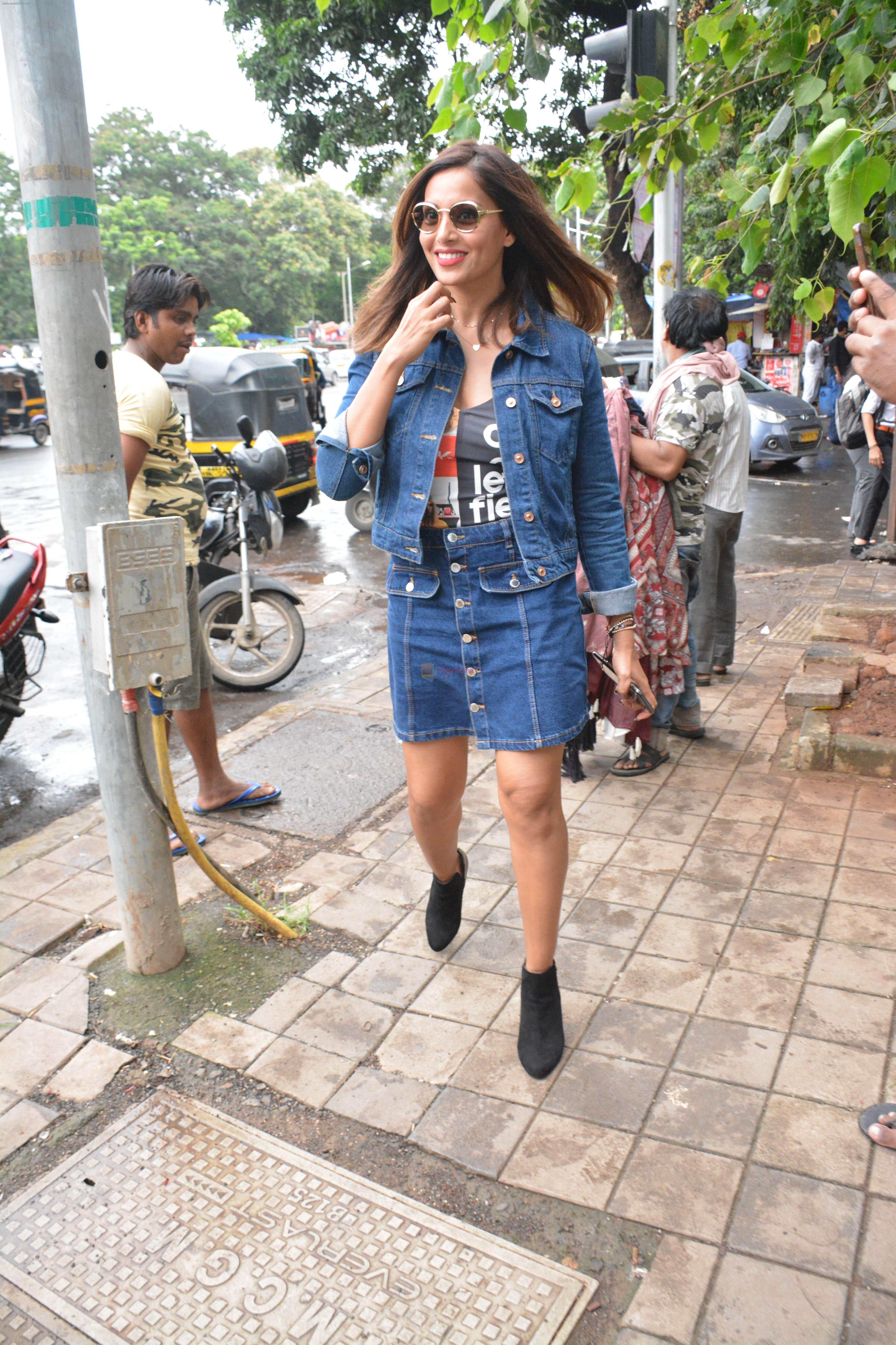 Bipasha Basu spotted at bandra on 4th Aug 2018