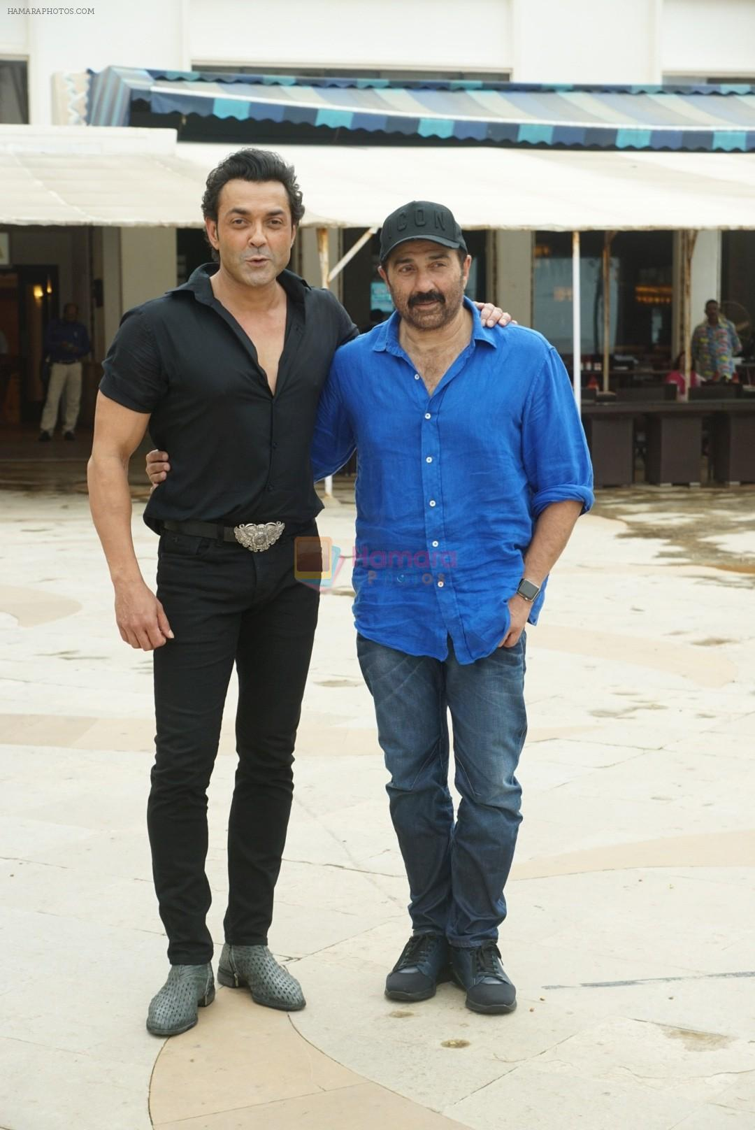 Sunny Deol, Bobby Deol at the promotion of film Yamla Pagla Deewana Phir Se in Sun n Sand juhu on 20th Aug 2018