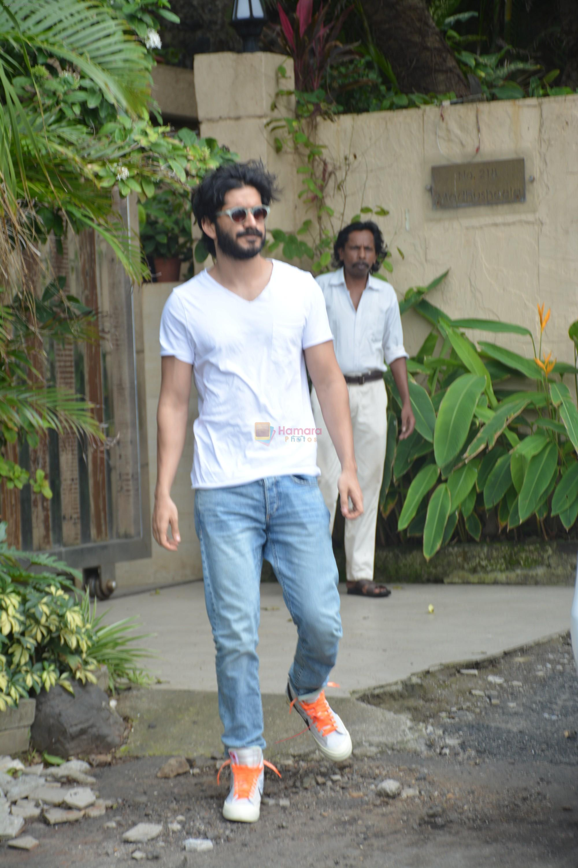Harshvardhan Kapoor spotted at a clinic in bandra on 24th Aug 2018