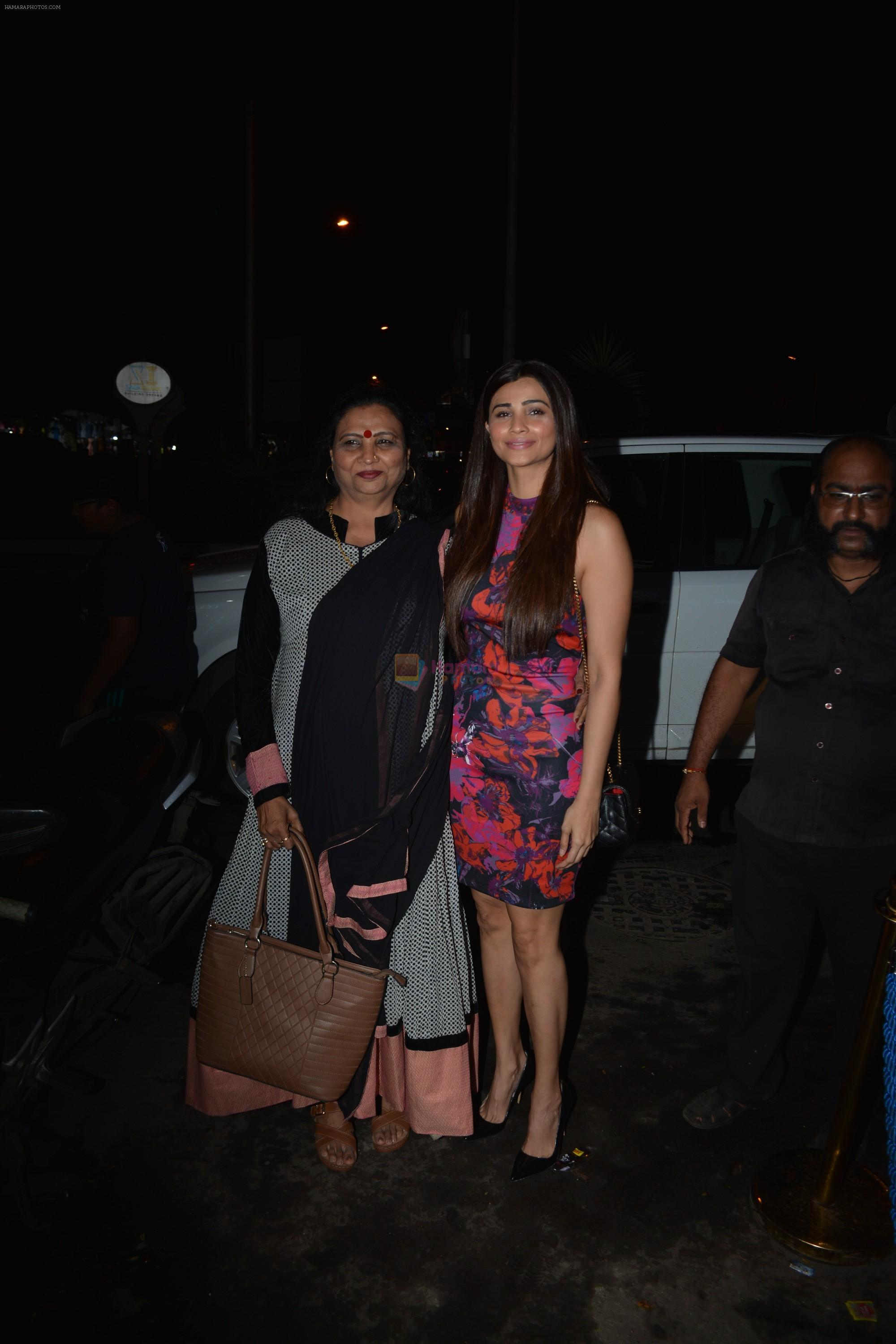 Daisy Shah with mother spotted at Bastian in bandra on 25th Aug 2018