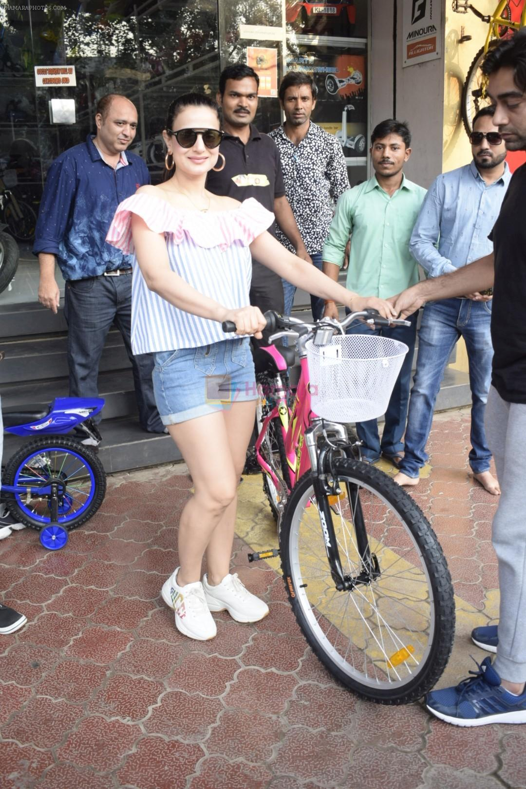 Ameesha Patel Spotted At Riders Cycle Store In Andheri on 3rd Oct 2018