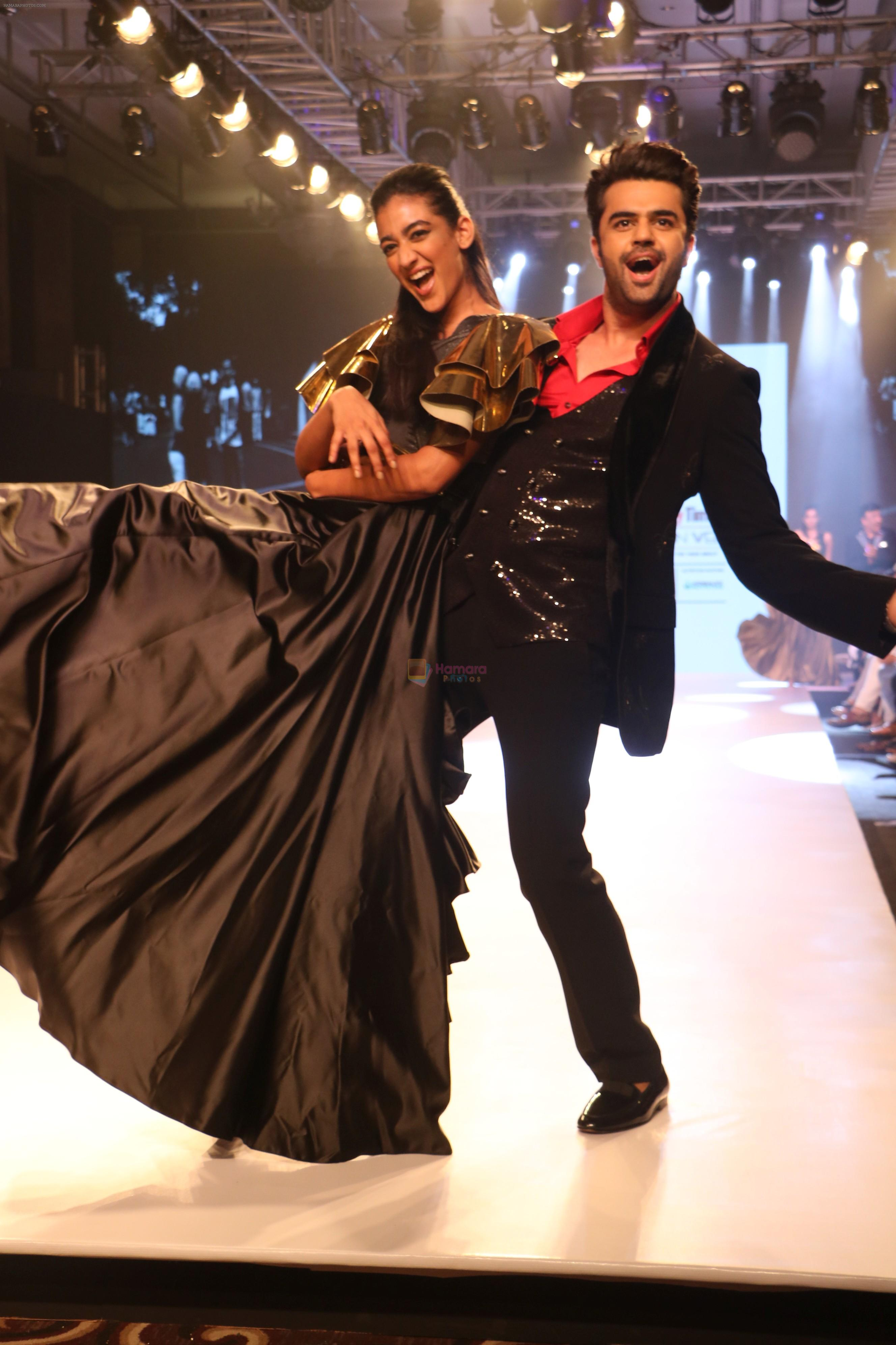 Manish Paul at BT Fashion Week in Mumbai on 12th Oct 2018