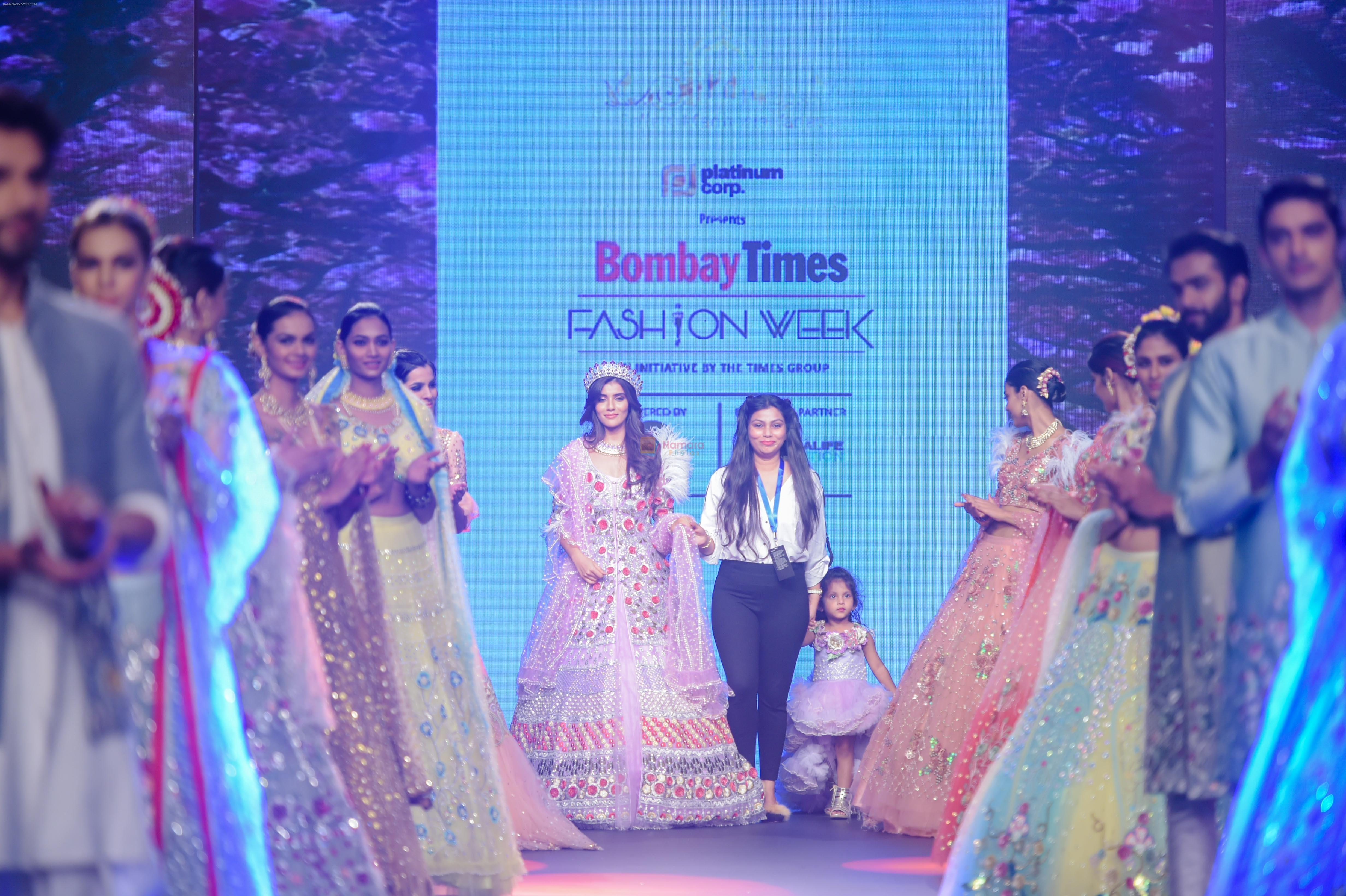 Vartika Singh walk the ramp for Pallavi Madhesia Yadav at BTFW 2018 on 14th Oct 2018