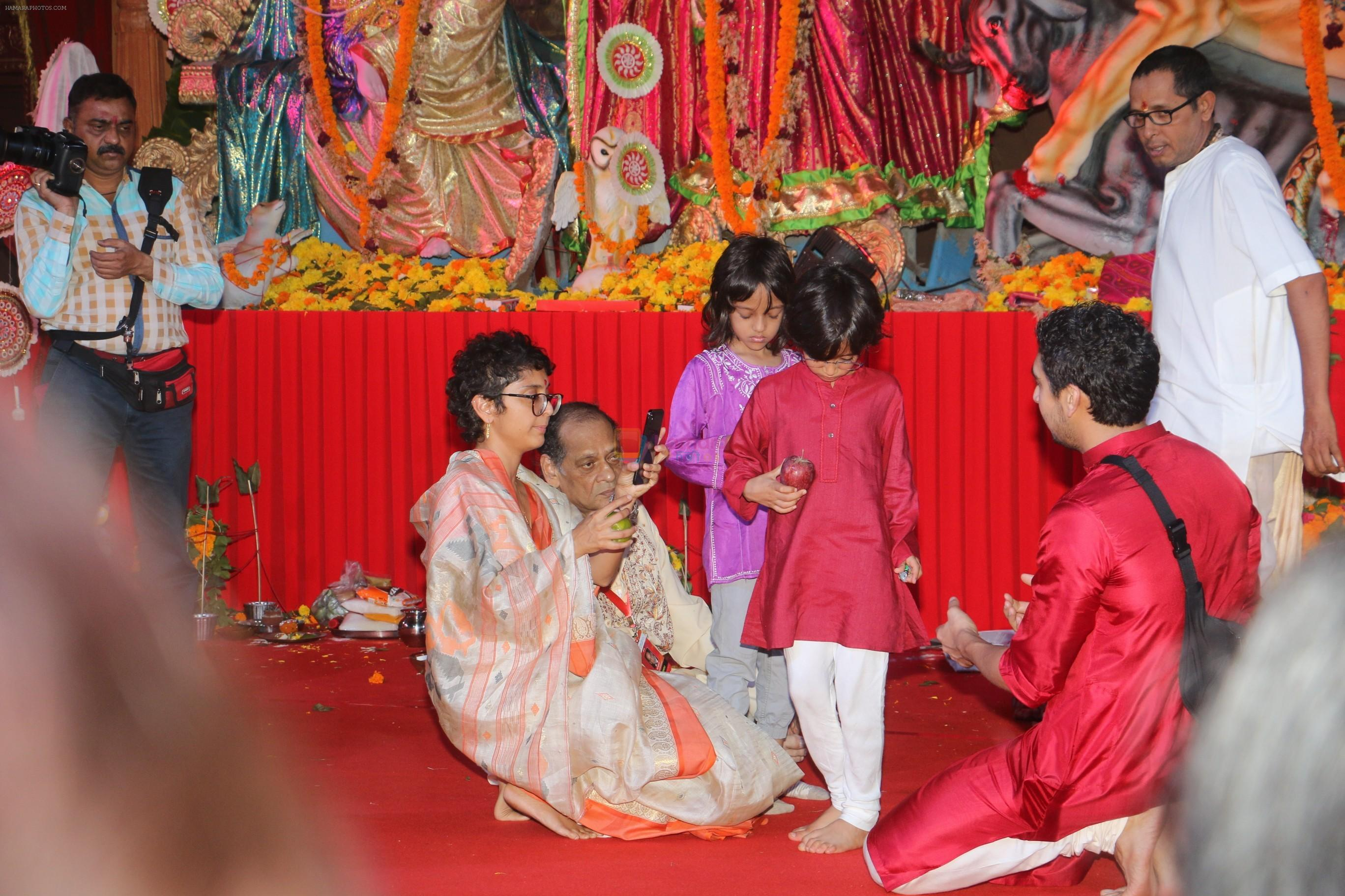 Kiran Rao at The North Bombay Sarbojanin Durga Puja In Vile Parle on 18th Oct 2018