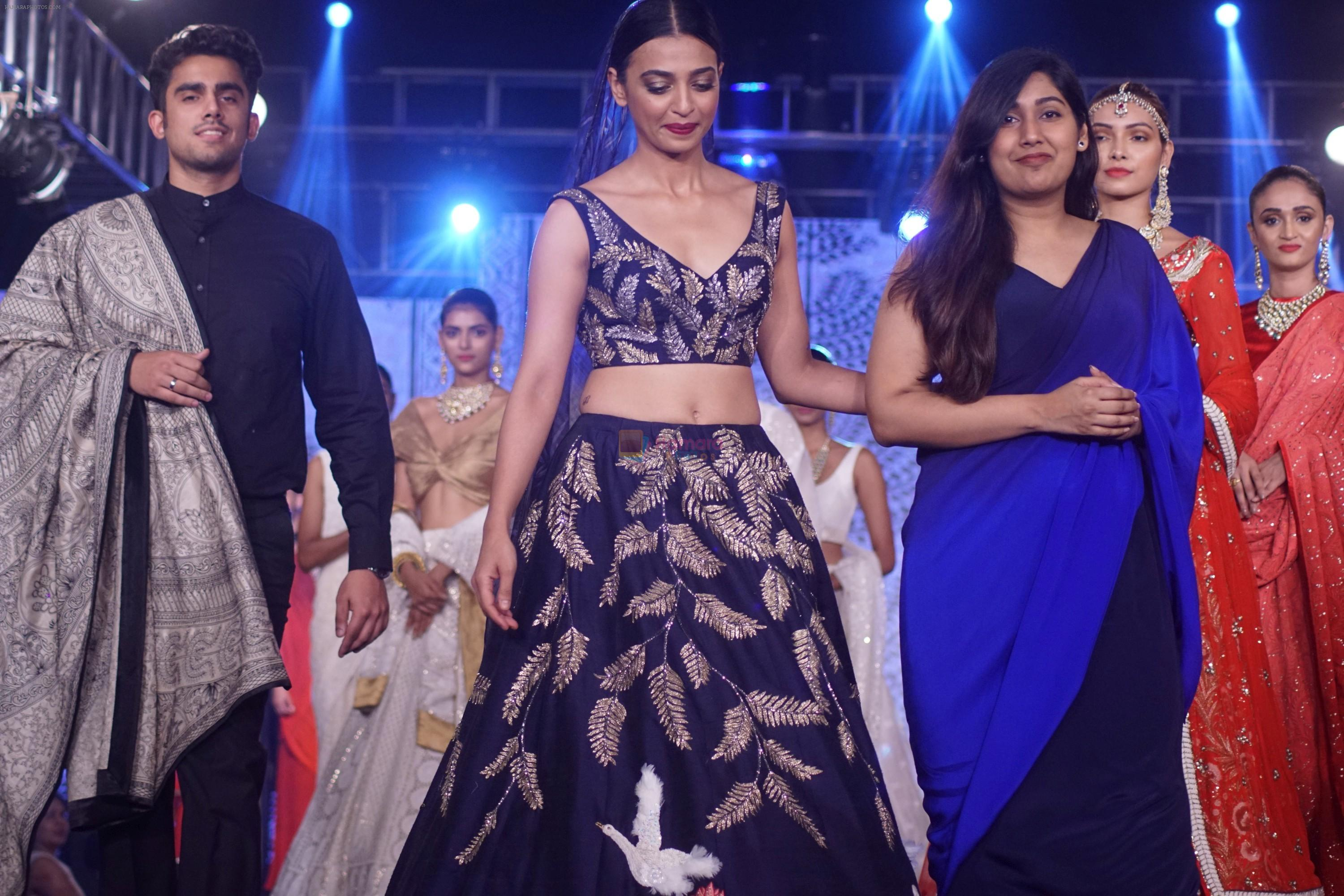 Radhika Apte walk The Ramp at The Wedding Junction Show on 26th Oct 2018