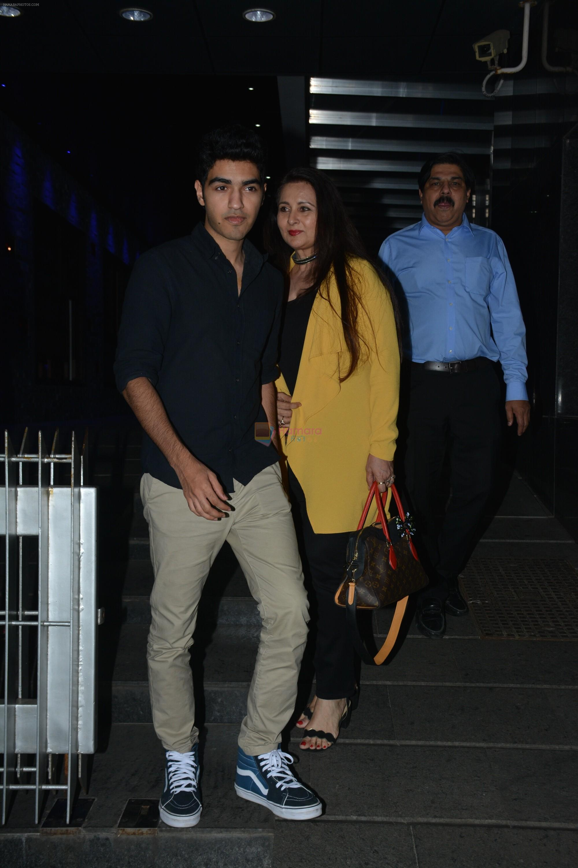 Poonam Dhillon with  Son Anmol & Daughter Paloma spotted at Hakkasan in bandra on 15th Nov 2018