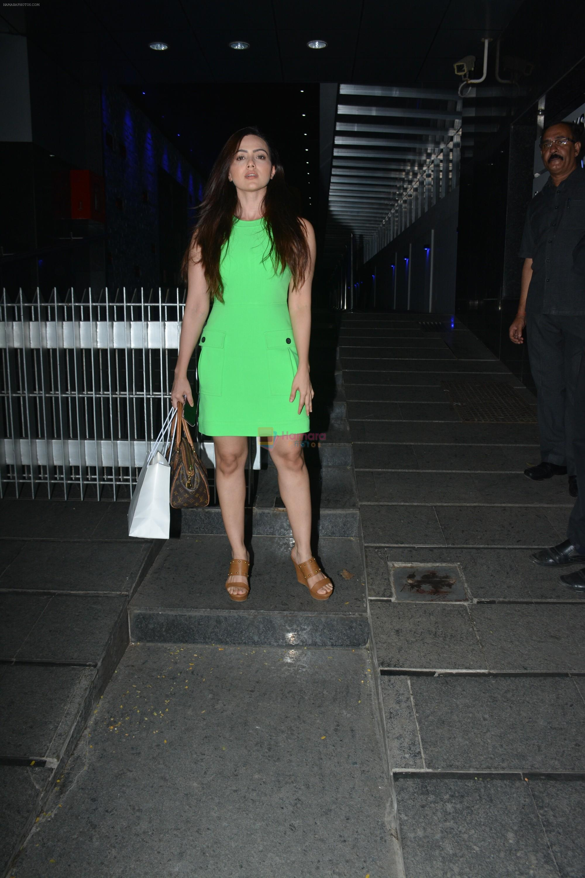 Sana khan spotted at Hakkasan in bandra on 15th Nov 2018