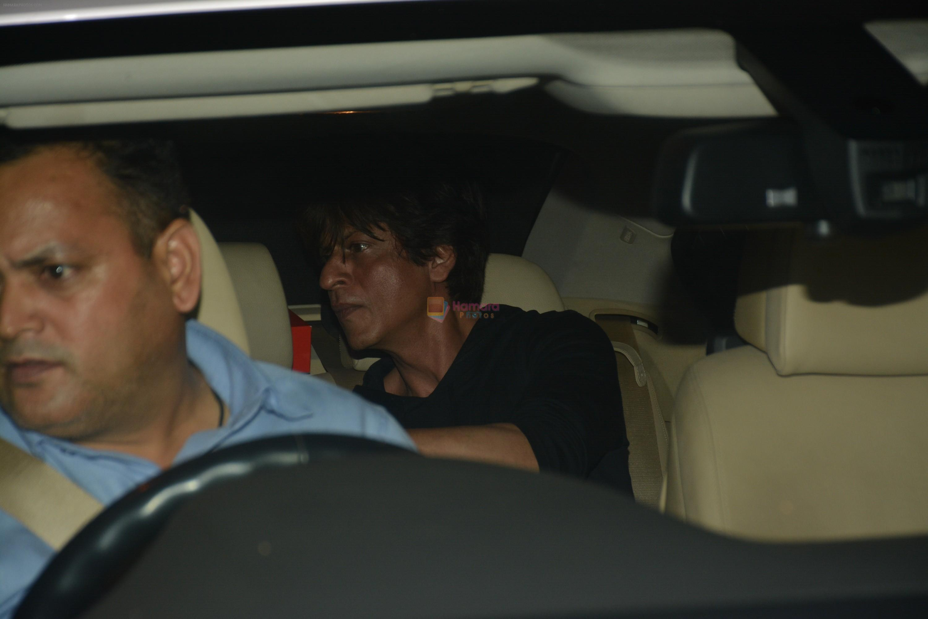 Shahrukh Khan spotted at dubbing studio in bandra on 19th Nov 2018