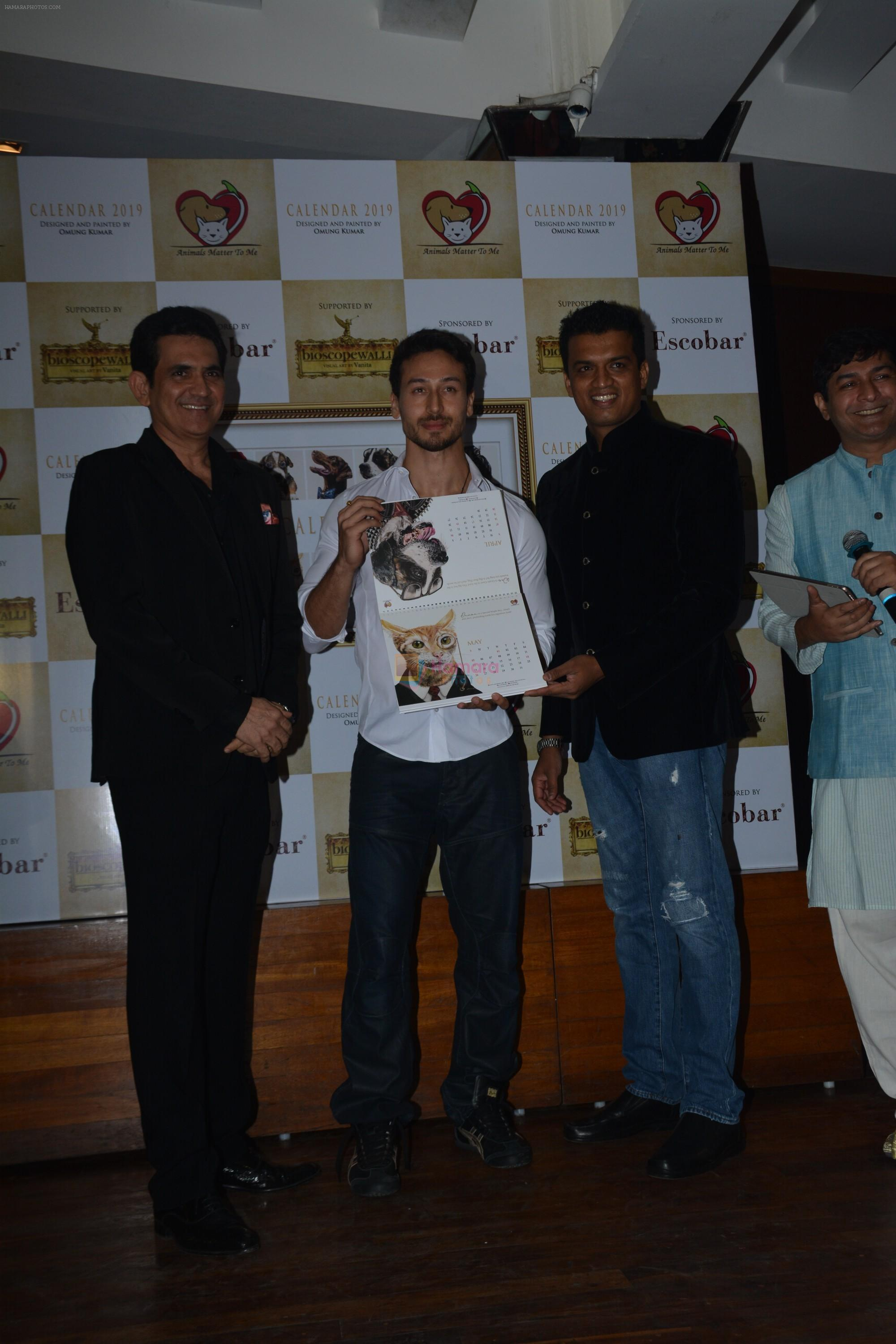 Tiger Shroff at the launch of Hand Painted Animal Calendar By Filmmaker Omung Kumar on 21st Nov 2018
