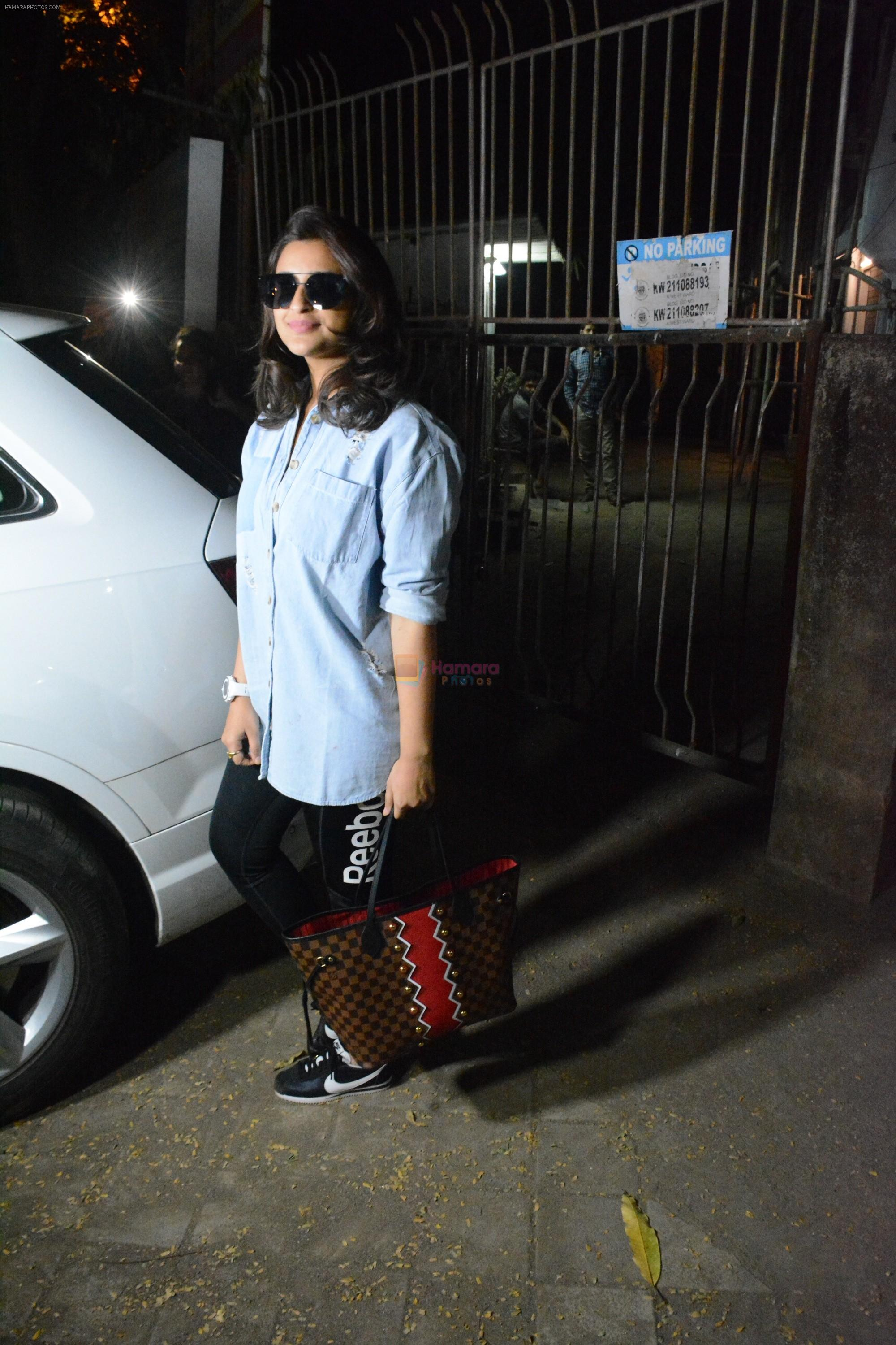 Parineeti Chopra Spotted At Kromkay Salon In Juhu on 6th Dec 2018
