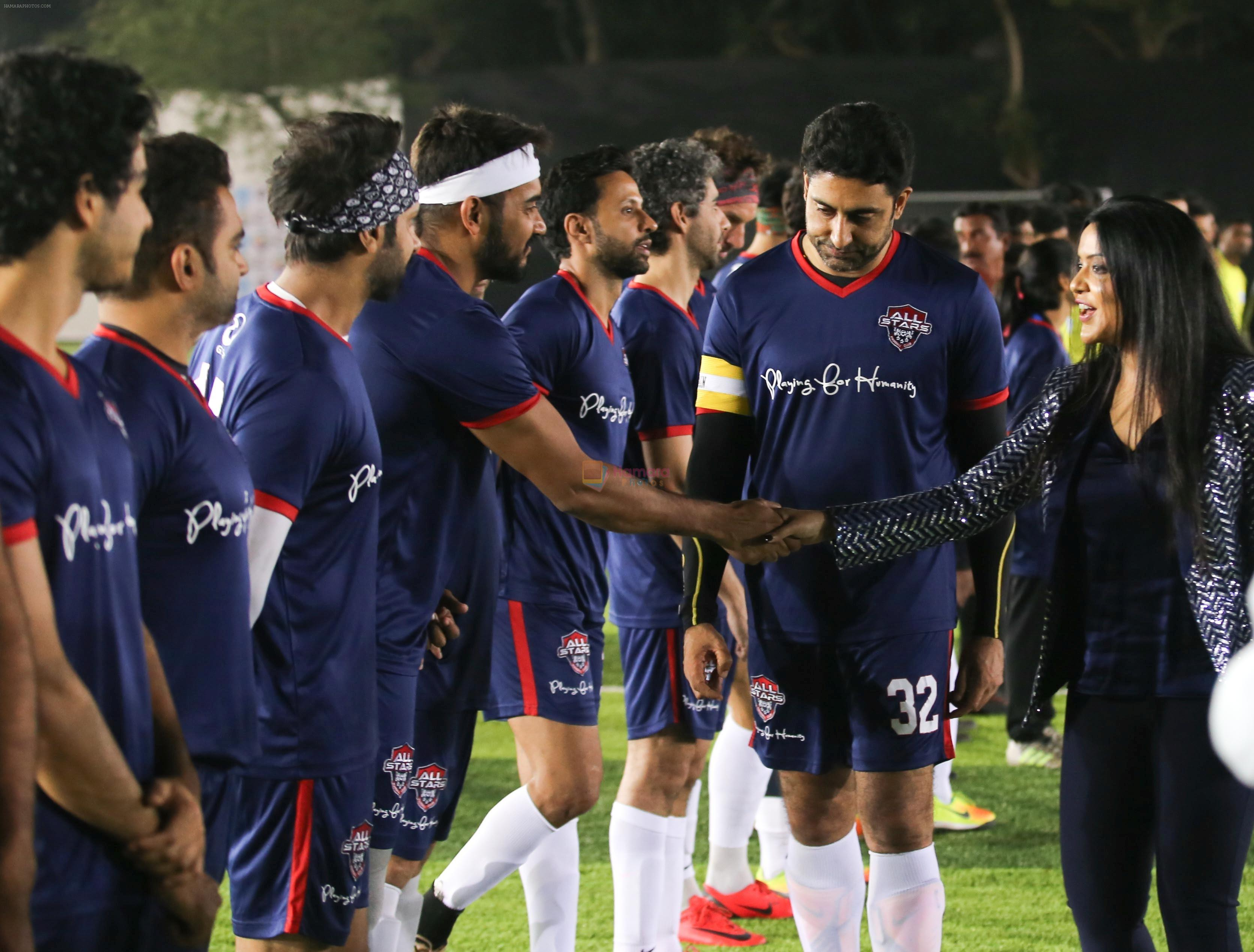 Abhishek Bachchan at Jamnabai Narsee Football Match in Jambai School Ground on 11th Dec 2018