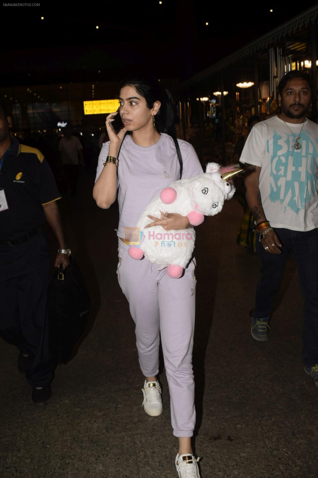 Khushi Kapoor spotted at airport in andheri on 29th Dec 2018