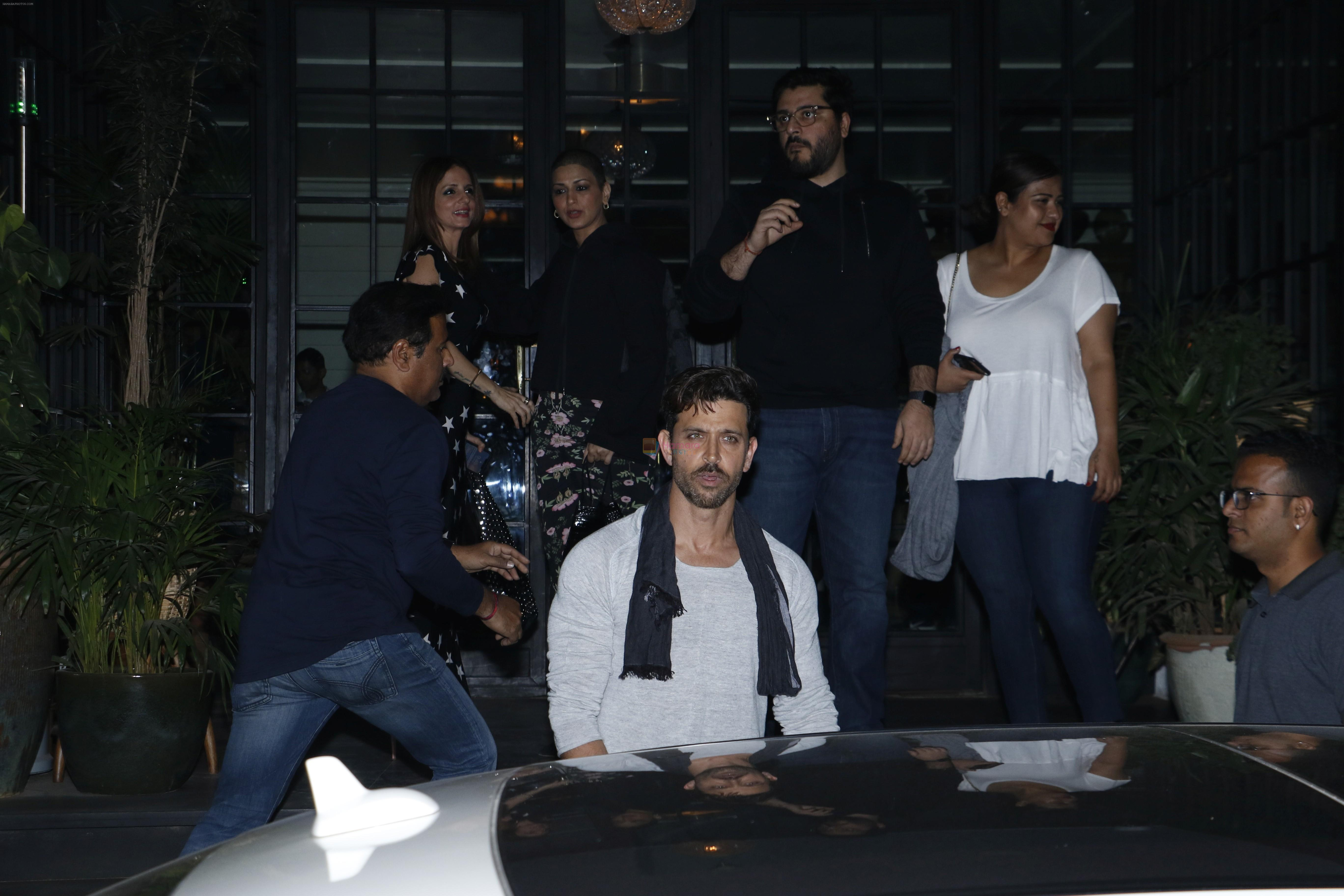 Suzanne Khan, Sonali Bendre, Hrithik Roshan, Goldie Behl at Hrithik Roshan birthday celebration at Soho House juhu on 10th Jan 2019