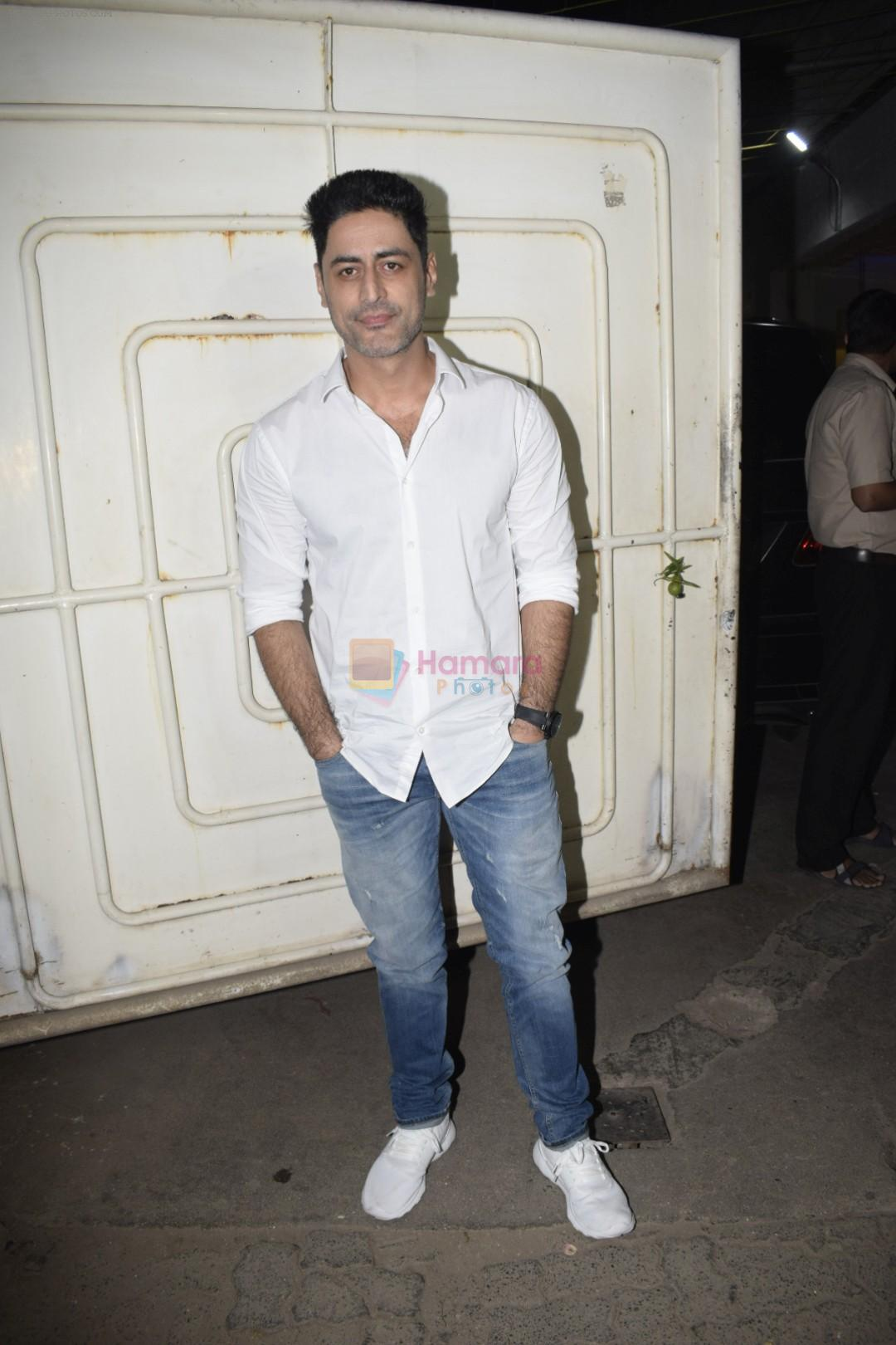 Mohit Raina at the Screening of film Uri in sunny sound juhu on 12th Jan 2019
