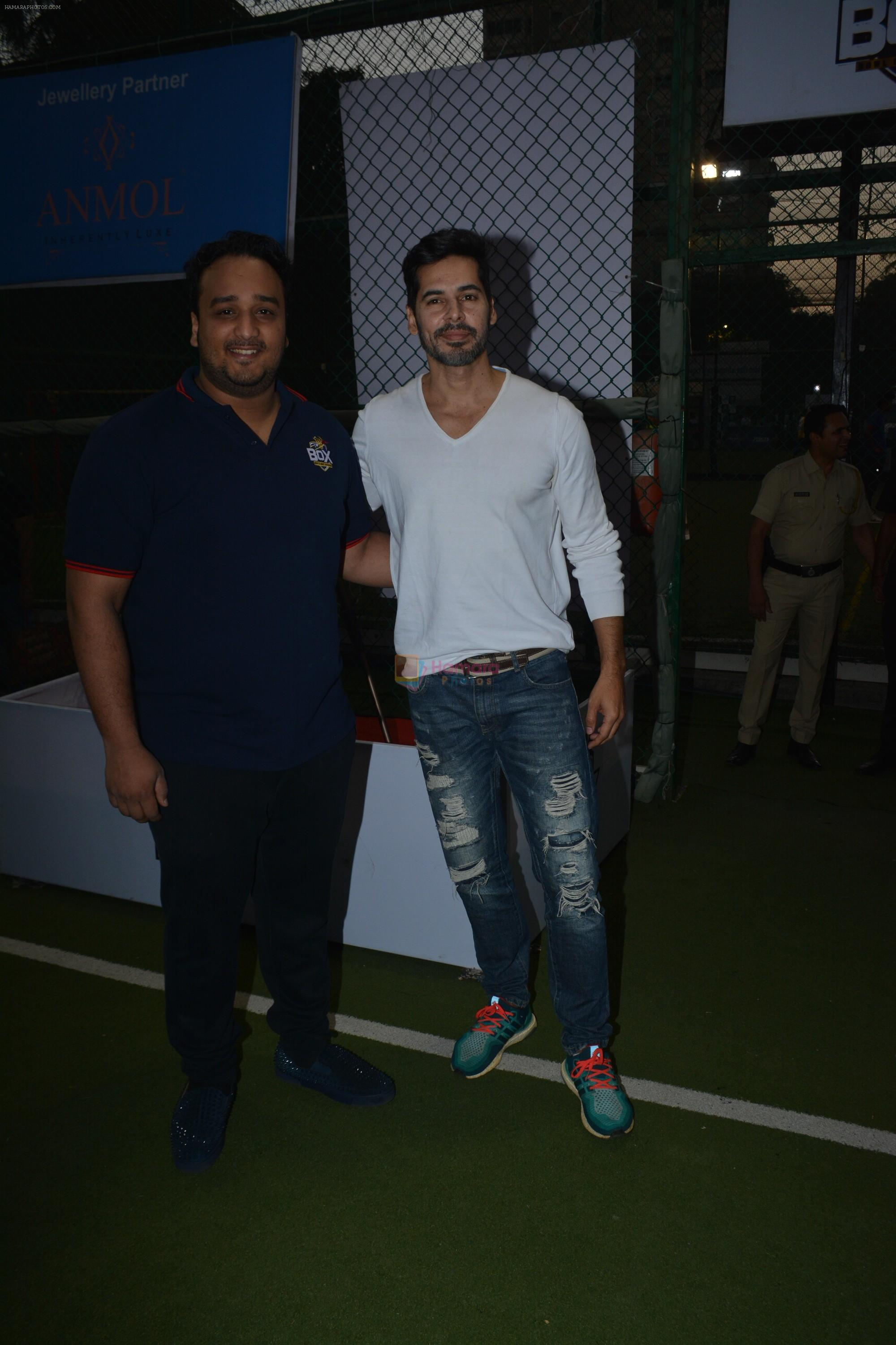 Dino Morea spotted at football ground in bandra on 12th Jan 2019
