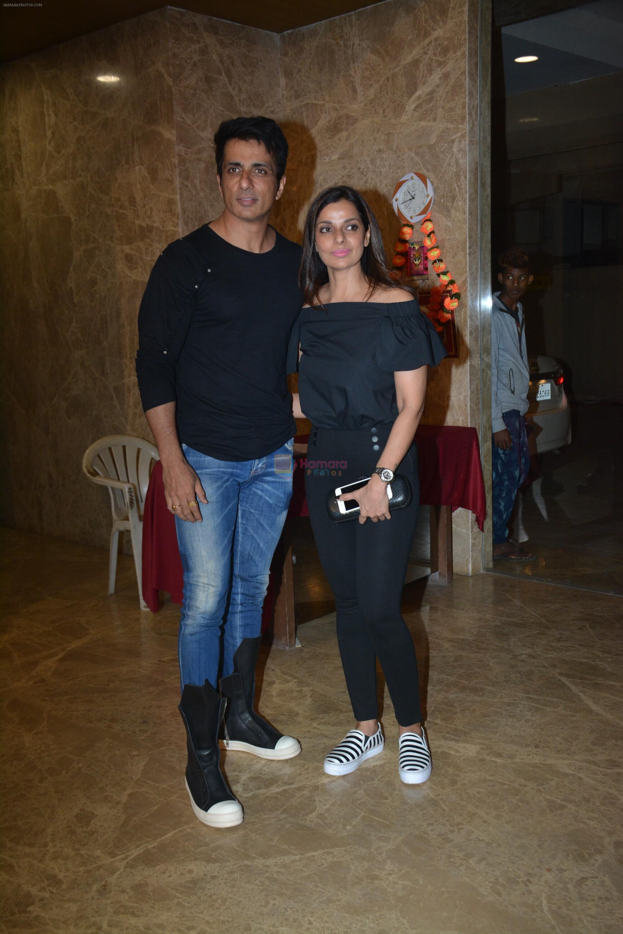 Sonu Sood at Ramesh Taurani's birthday party at his house in khar on 17th Jan 2019