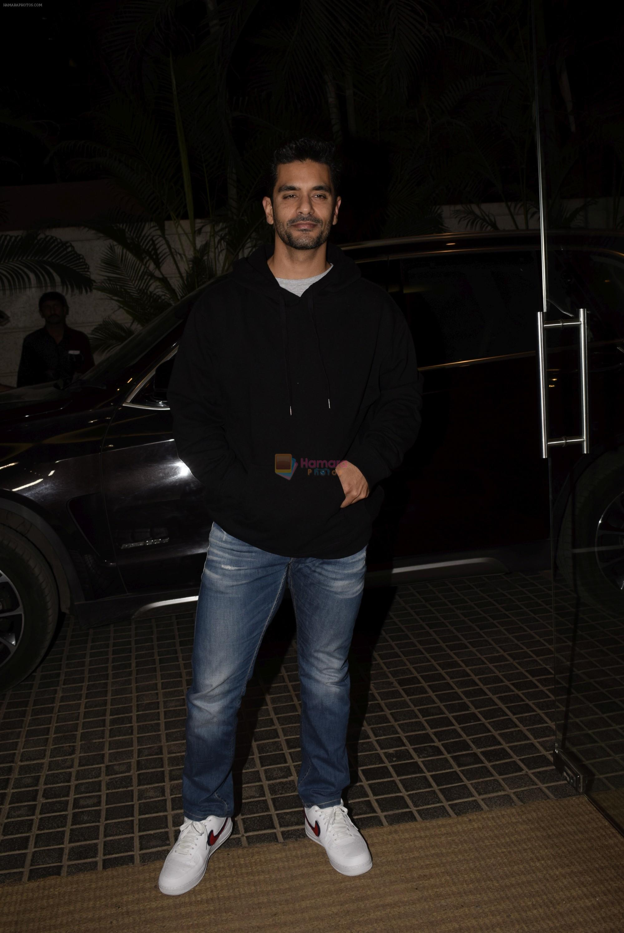 Angad Bedi at Ek ladki ko Dekha toh Aisa laga screening at The View in Andheri on 31st Jan 2019