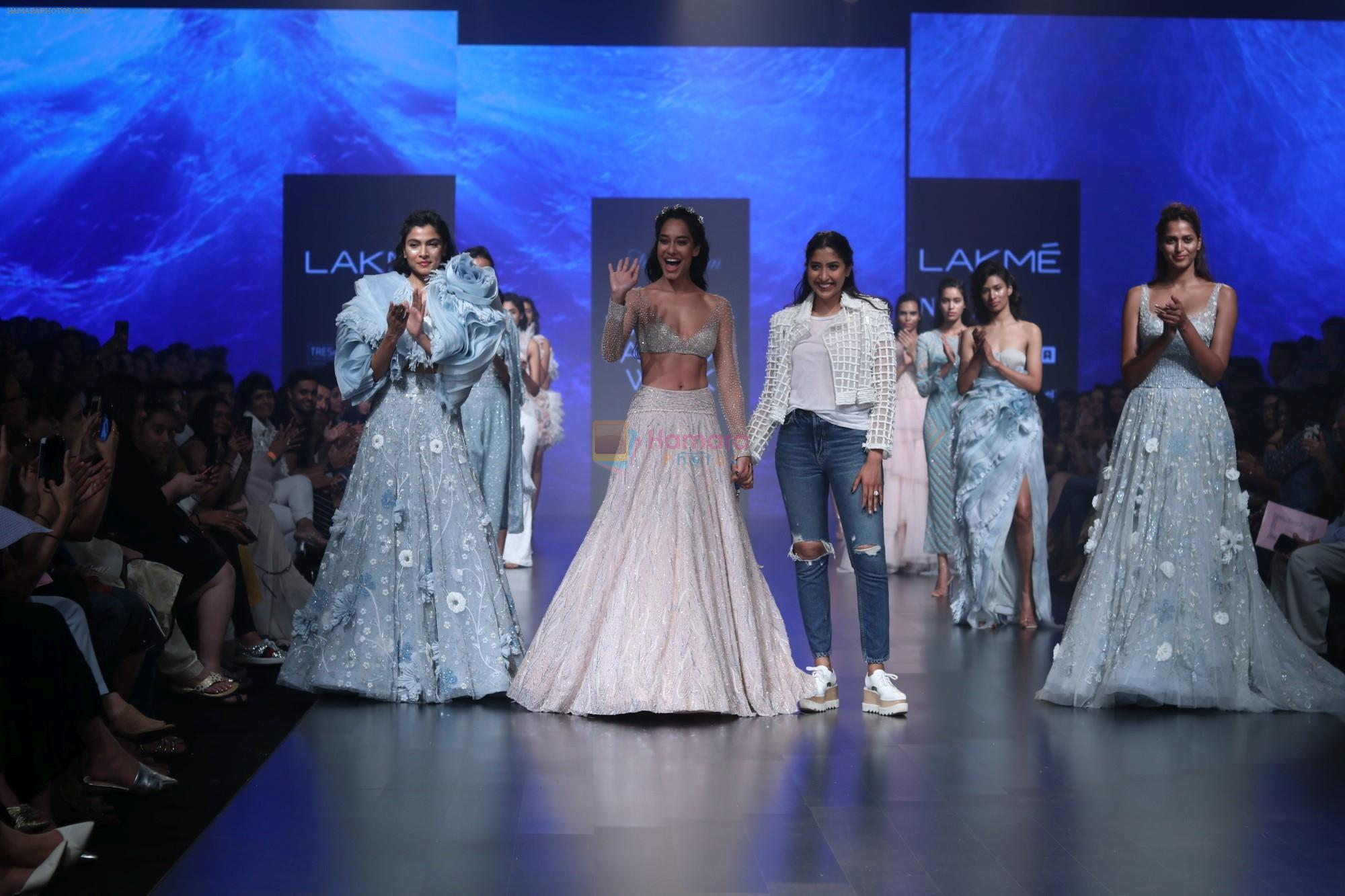 Lisa Haydon walk the ramp for Shehla Khan at Lakme Fashion Week 2019  on 3rd Feb 2019