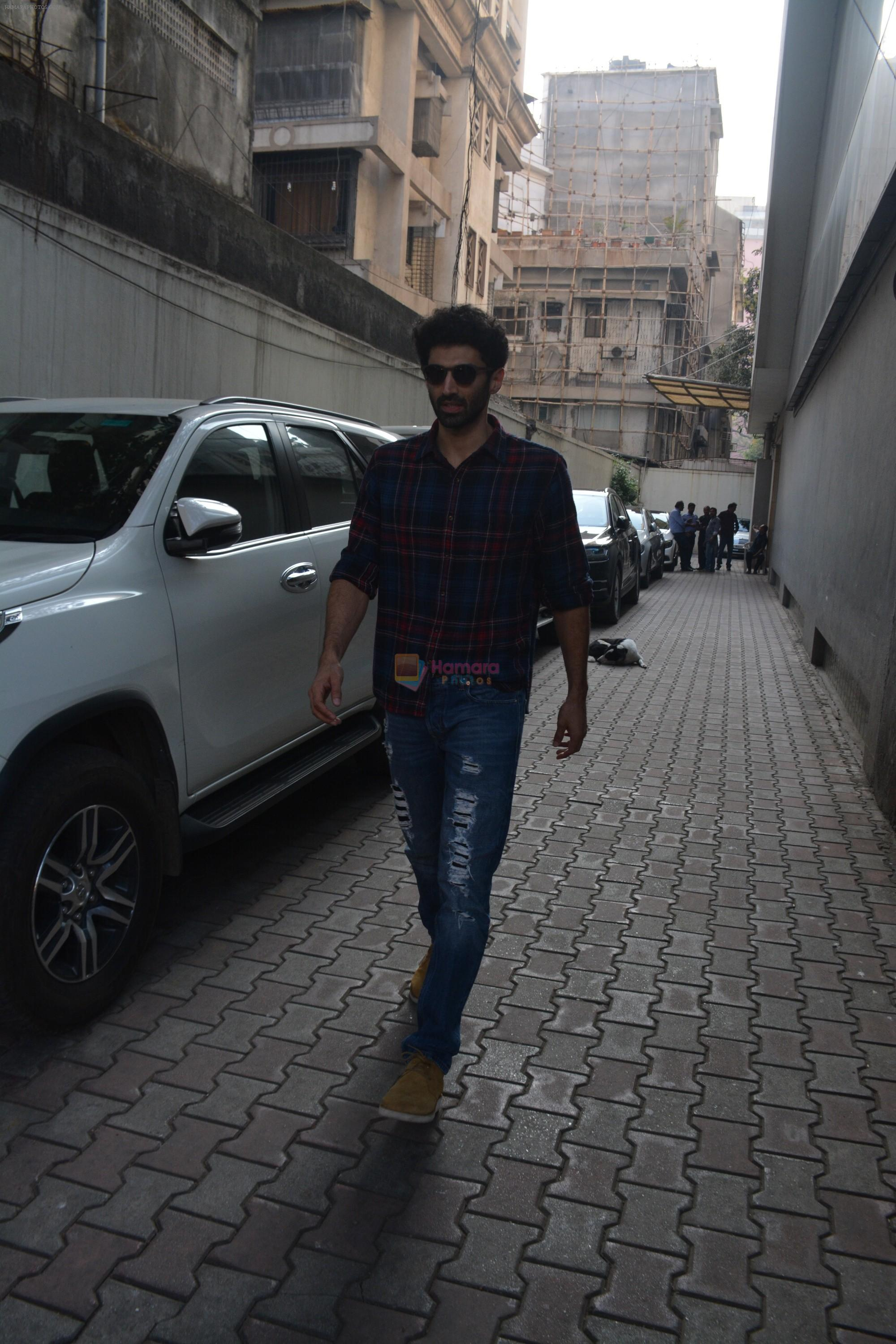 Aditya Roy Kapoor spotted at vishesh films office in bandra on 7th Feb 2019