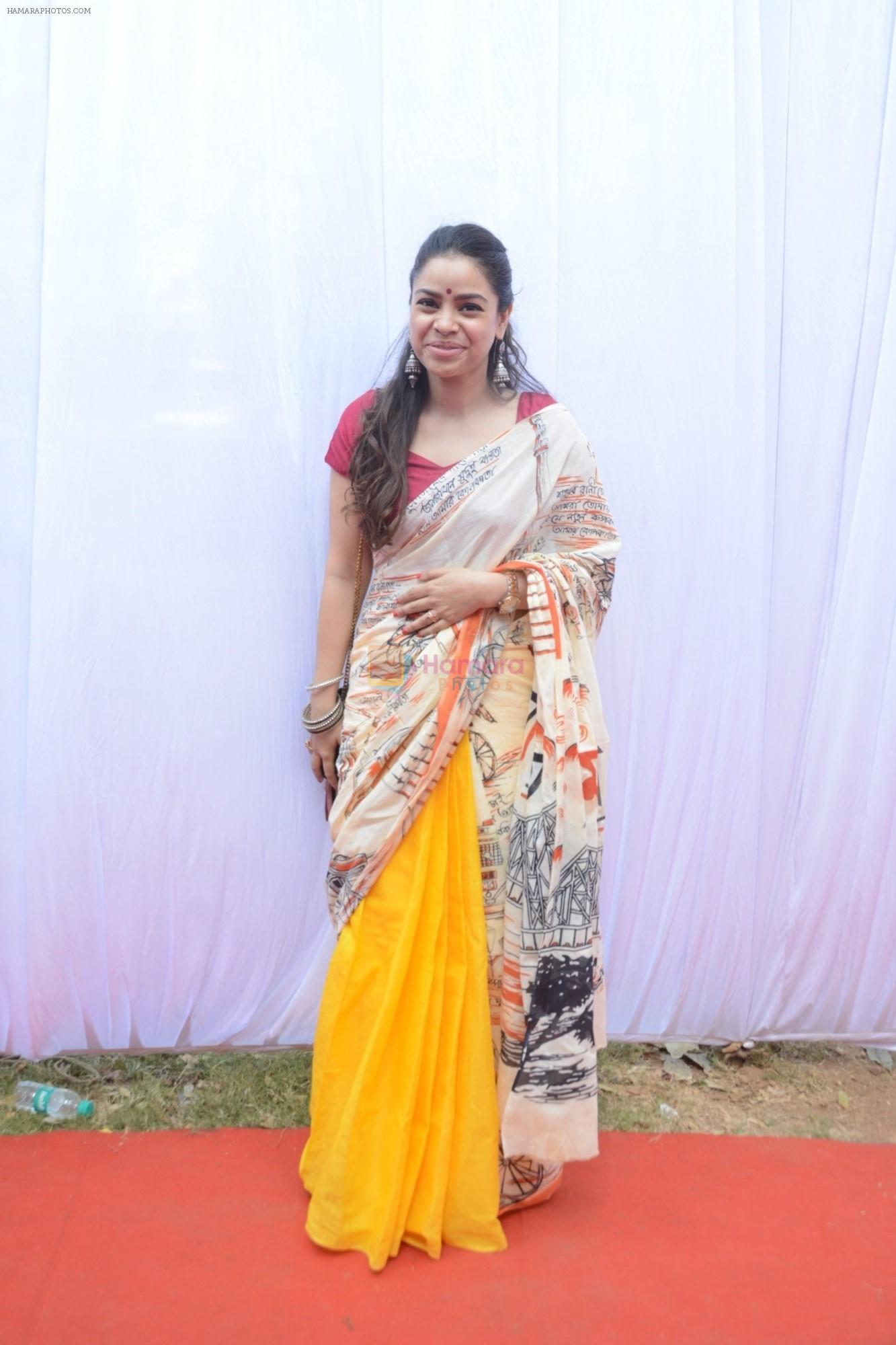 Sumona Chakravarti at Saraswati pujan at Anurag Basu's house in goregaon on 10th Feb 2019