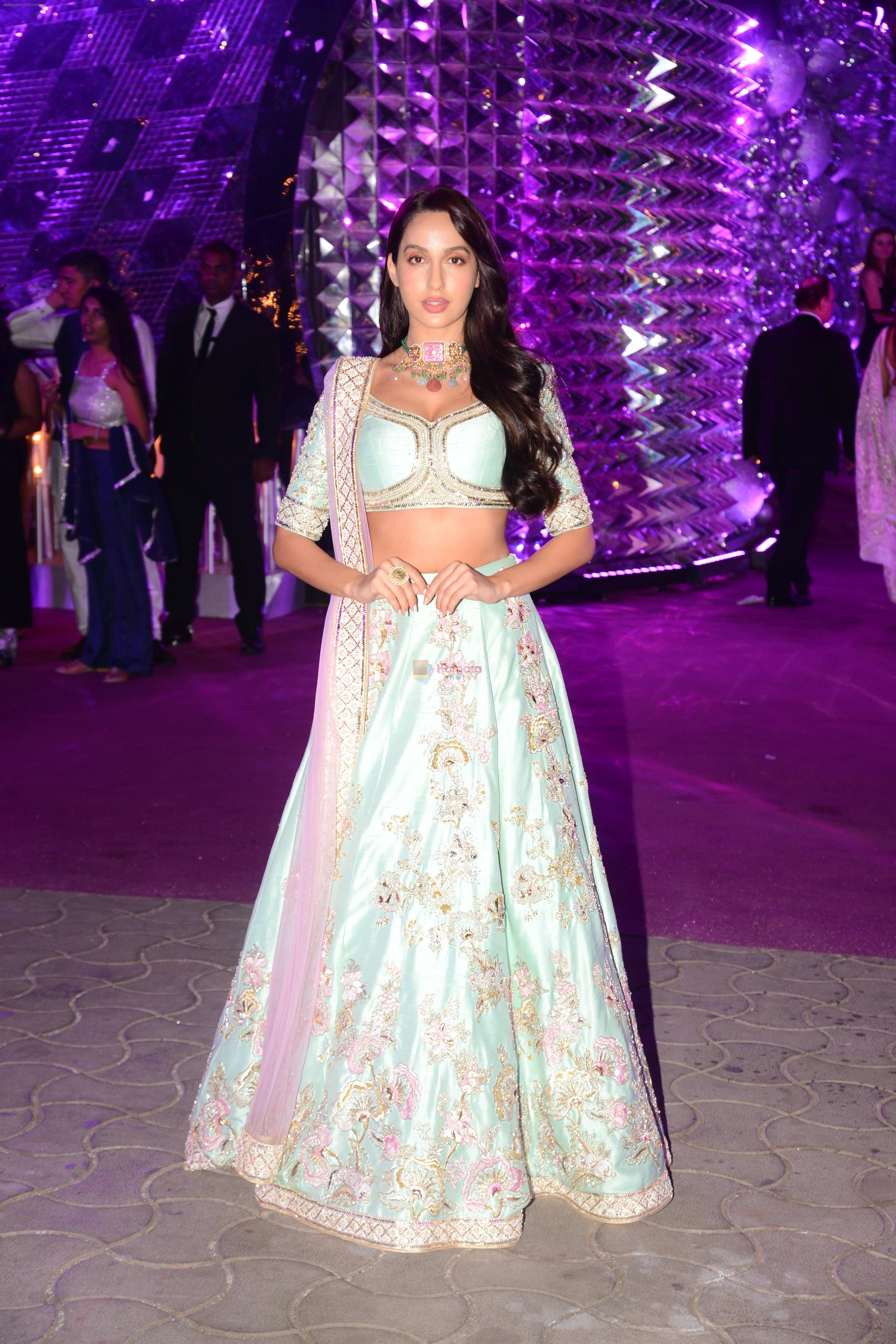 Nora Fatehi at Azhar Morani & Tanya Seth Sangeet in NSCI worli on 7th Feb 2019