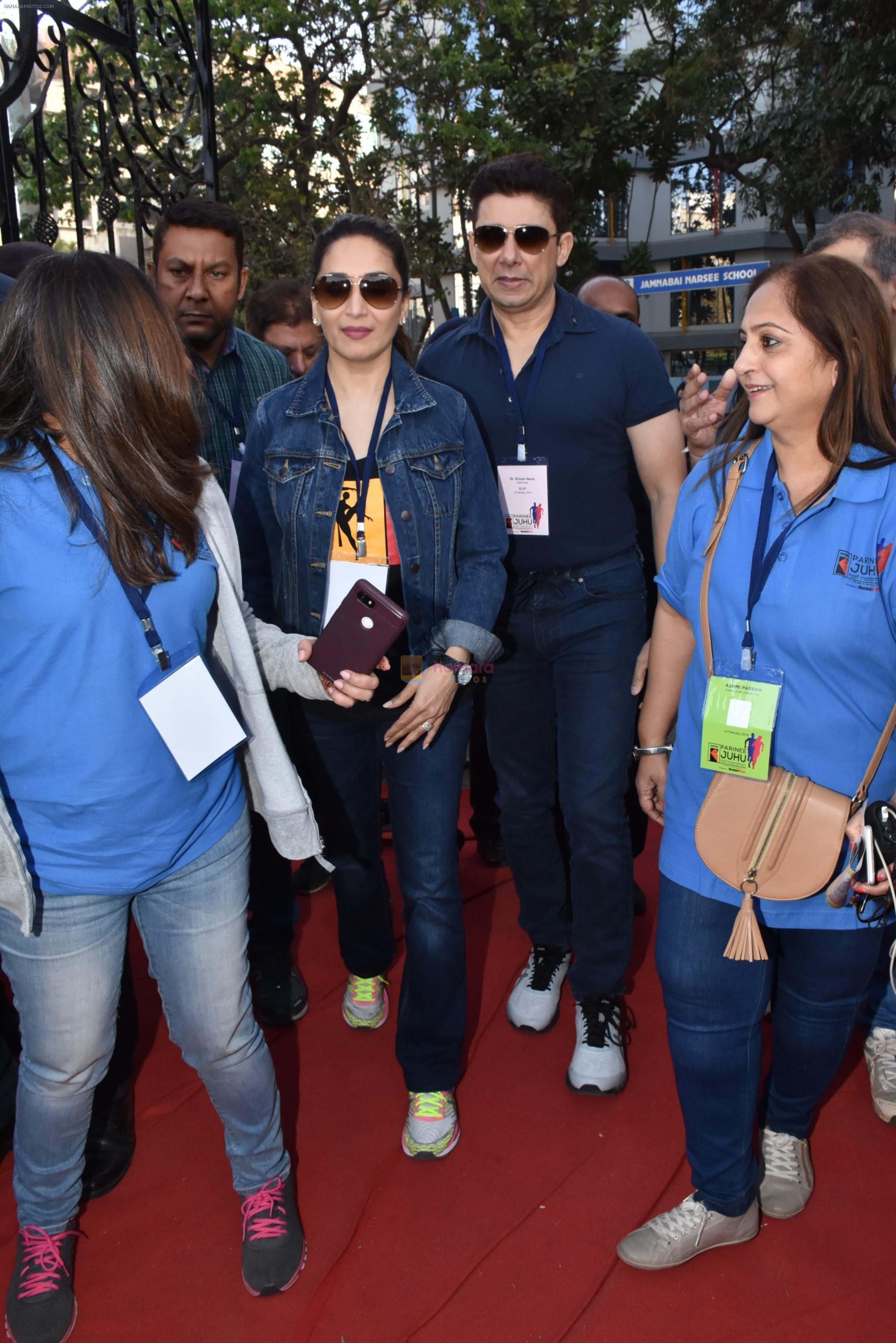 Madhuri Dixit flags off the Half Marathon with over 4000 plus mumbaikars for fitter mumbai on 11th Feb 2019