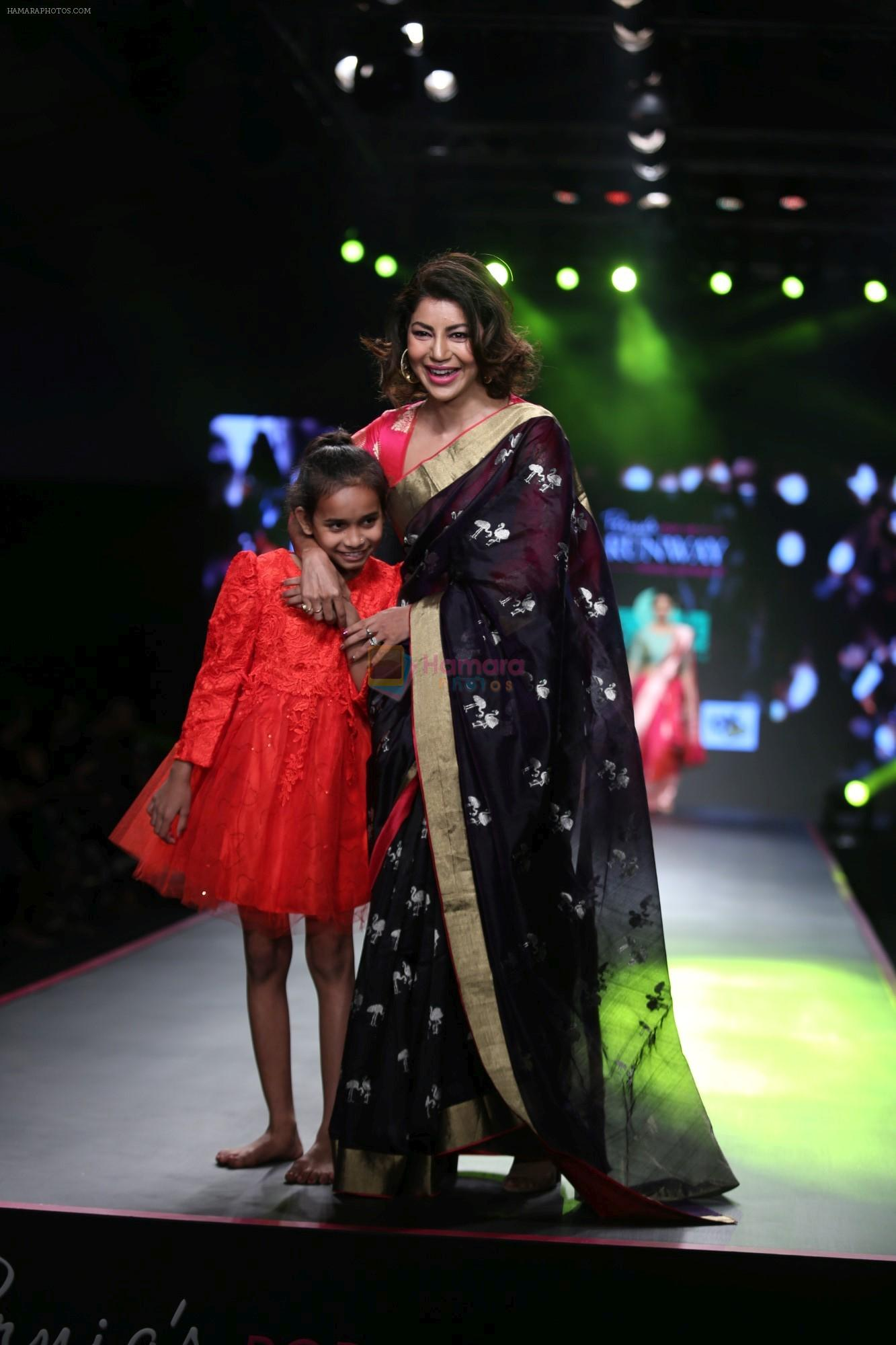 Debina Banerjee at Smile Foundation & Designer Sailesh Singhania fashion show for the 13th edition of Ramp for Champs at the race course in mahalxmi on 13th Feb 2019