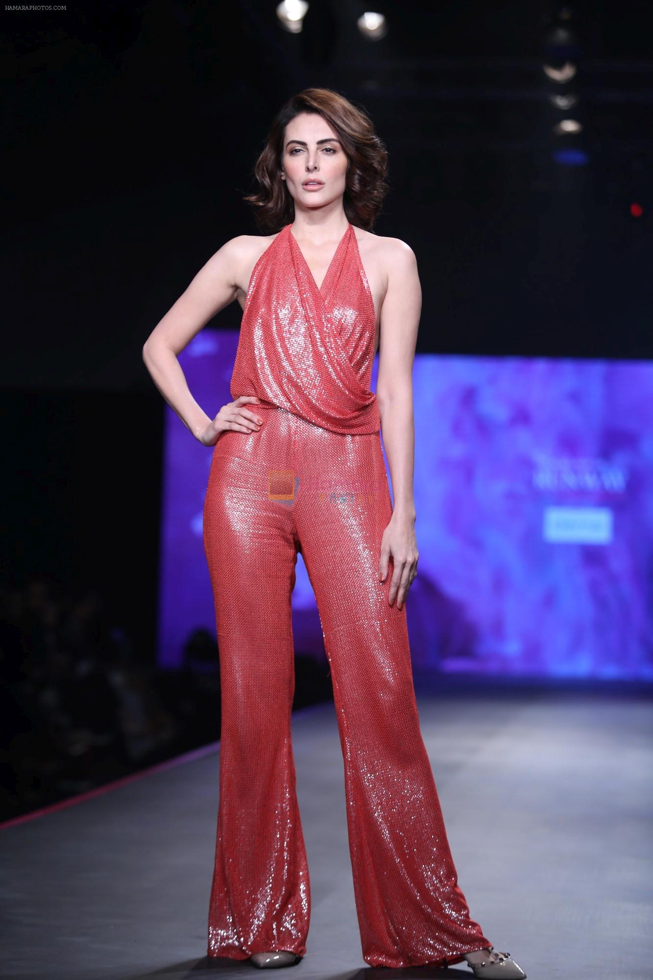 Mandana Karimi at Smile Foundation & Designer Sailesh Singhania fashion show for the 13th edition of Ramp for Champs at the race course in mahalxmi on 13th Feb 2019