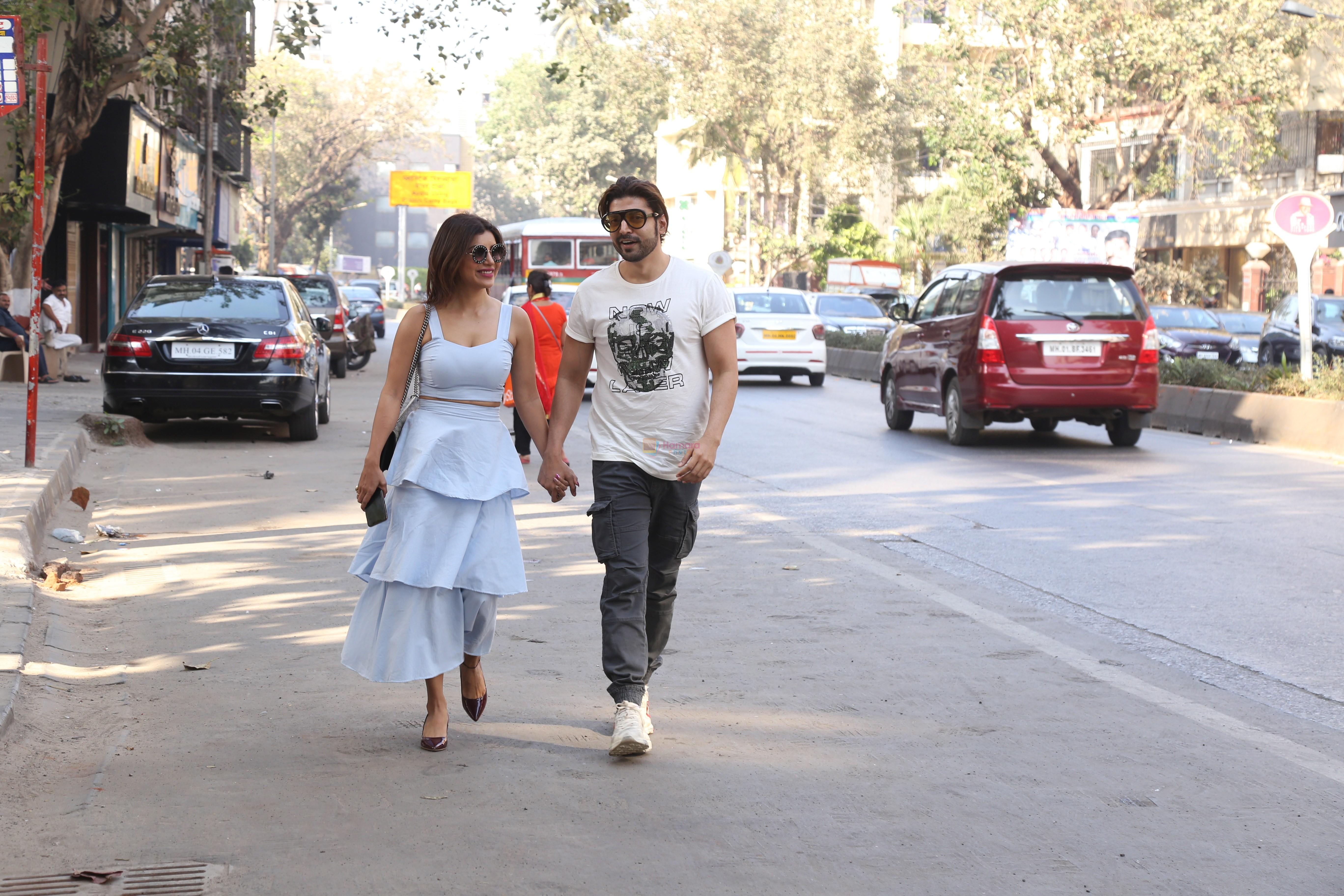 Gurmeet Chaudhary & wife spotted at juhu on 17th Feb 2019