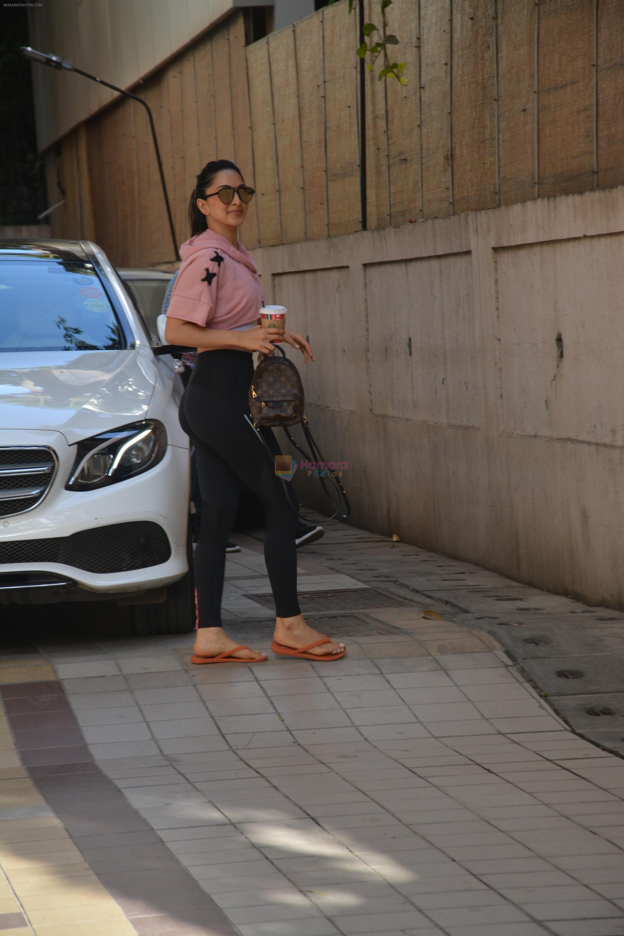 Kiara Advani spotted at dance class in bandra on 11th March 2019