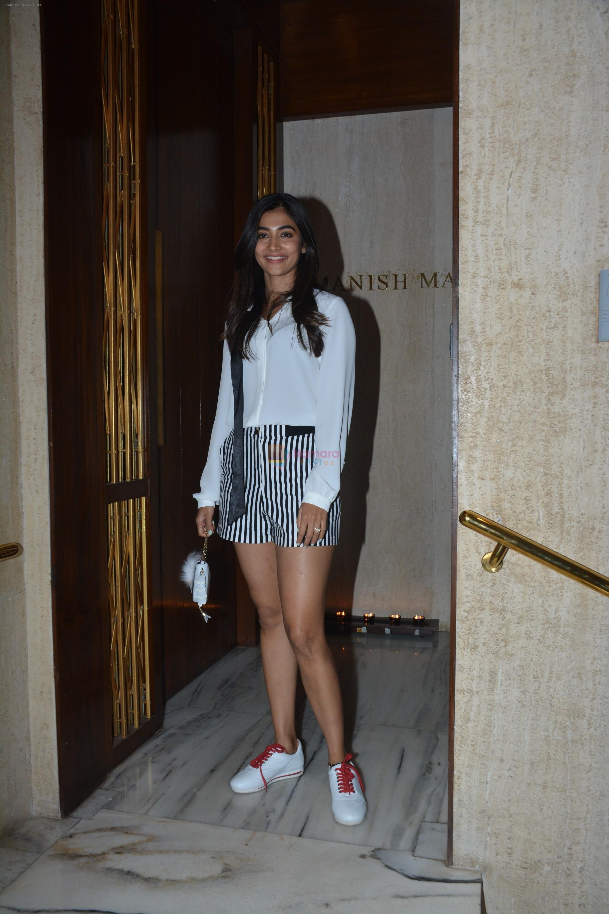 Pooja Hegde at Manish Malhotra's house on 13th March 2019