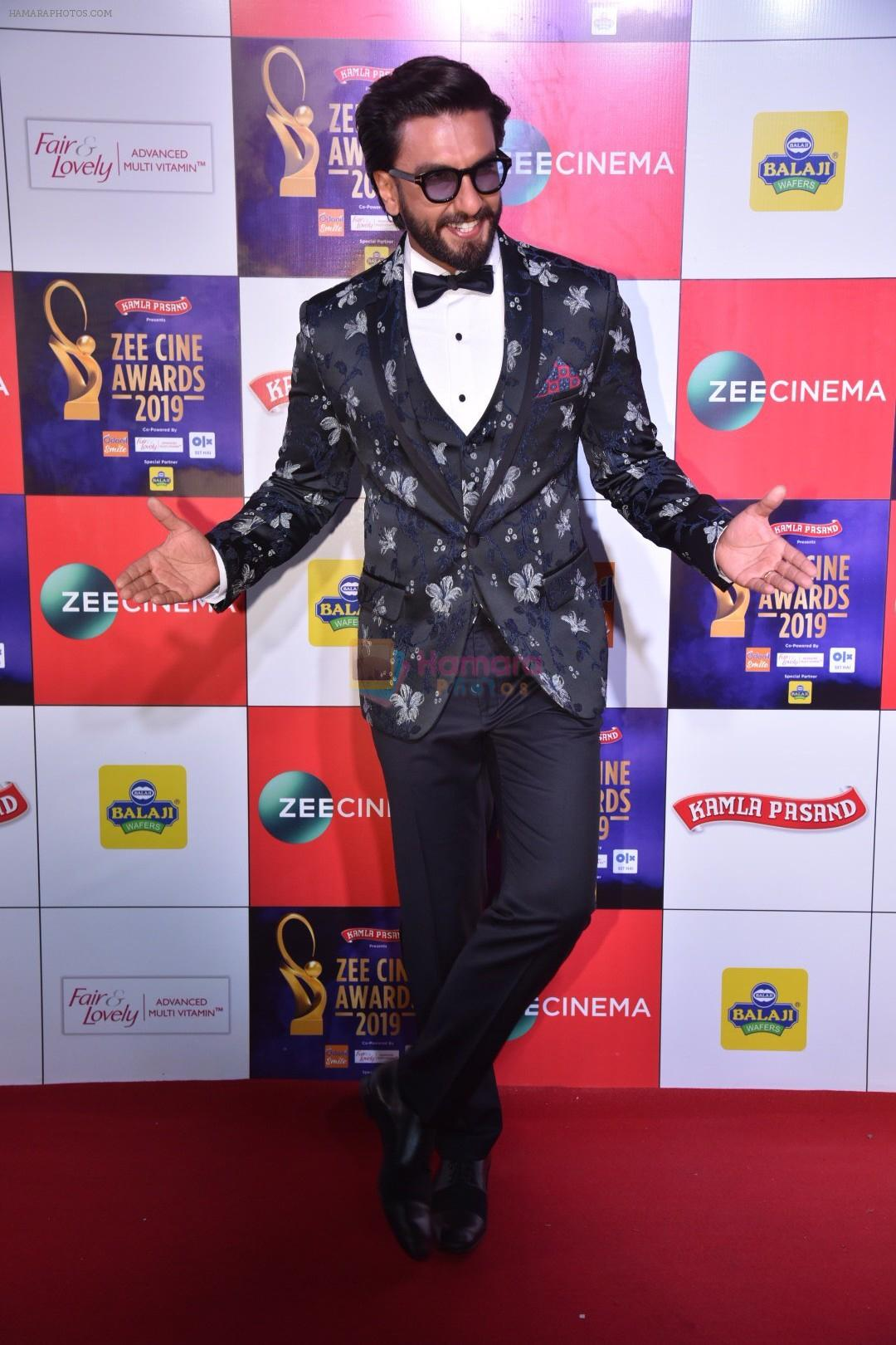 Ranveer Singh at Zee cine awards red carpet on 19th March 2019