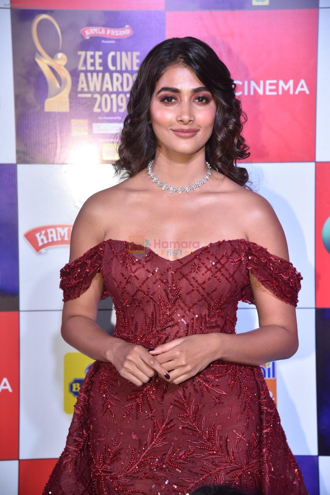 Pooja Hegde at Zee cine awards red carpet on 19th March 2019
