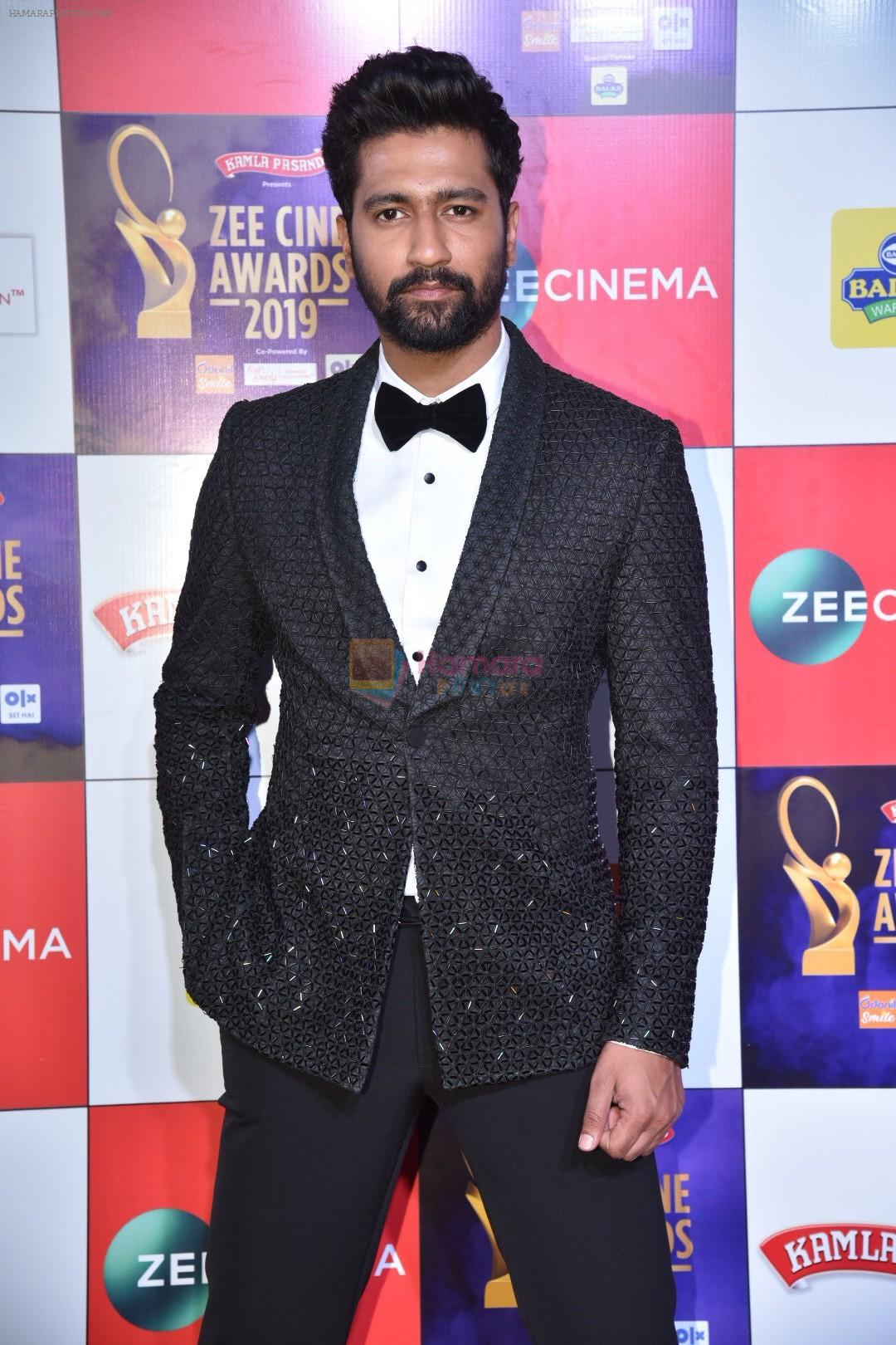 Vicky Kaushal at Zee cine awards red carpet on 19th March 2019