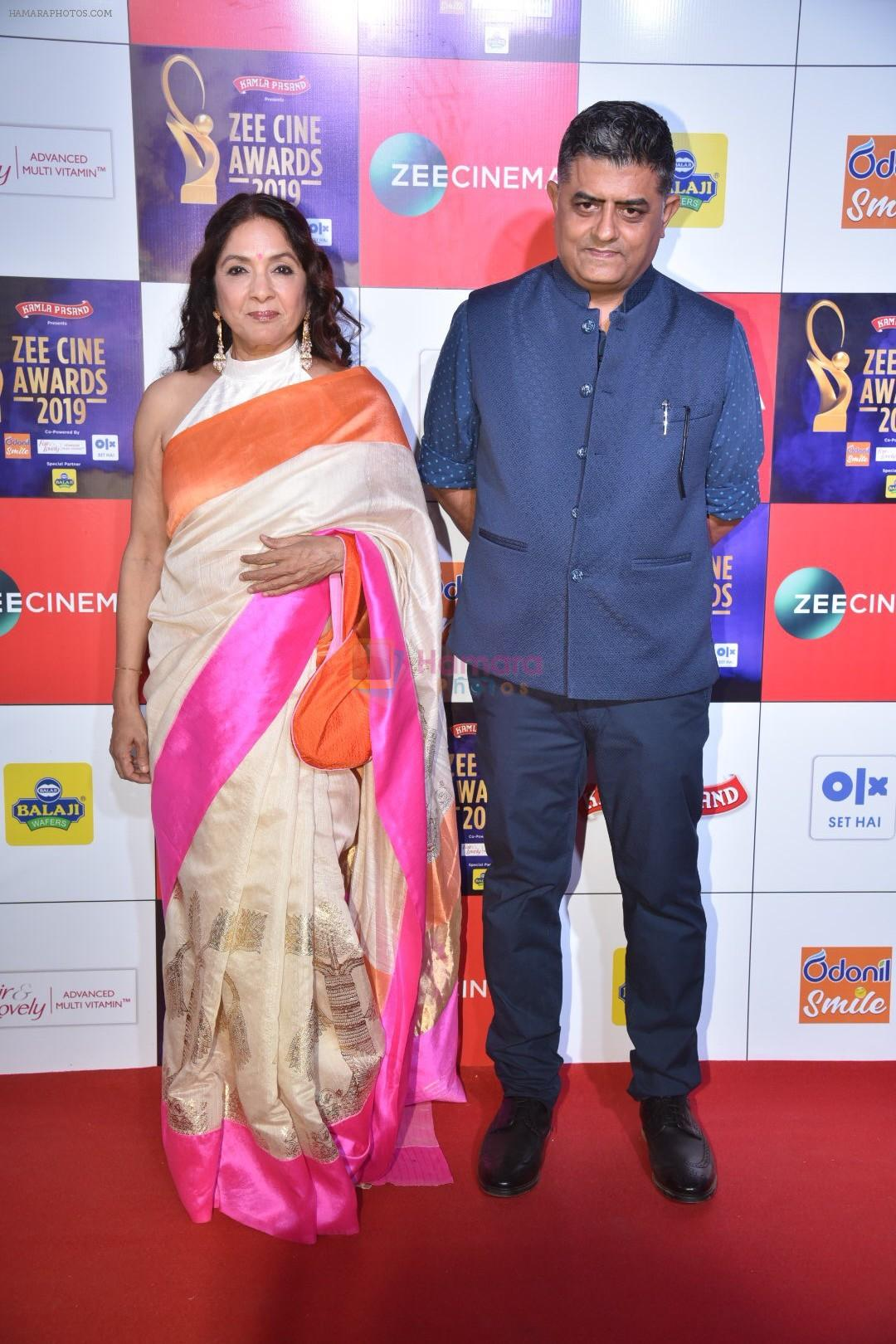 Neena Gupta, Gajraj Rao at Zee cine awards red carpet on 19th March 2019