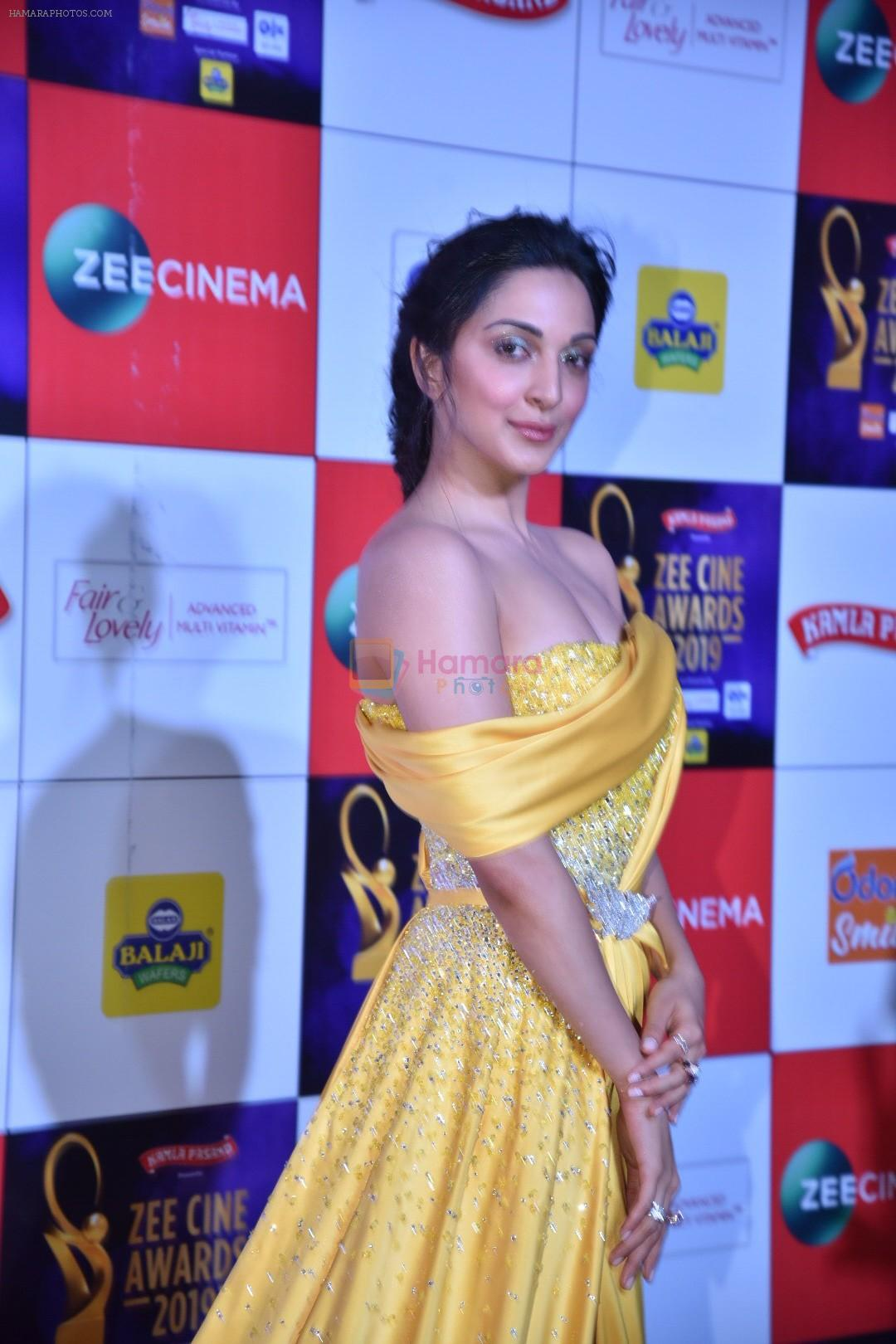 Kiara Advani at Zee cine awards red carpet on 19th March 2019