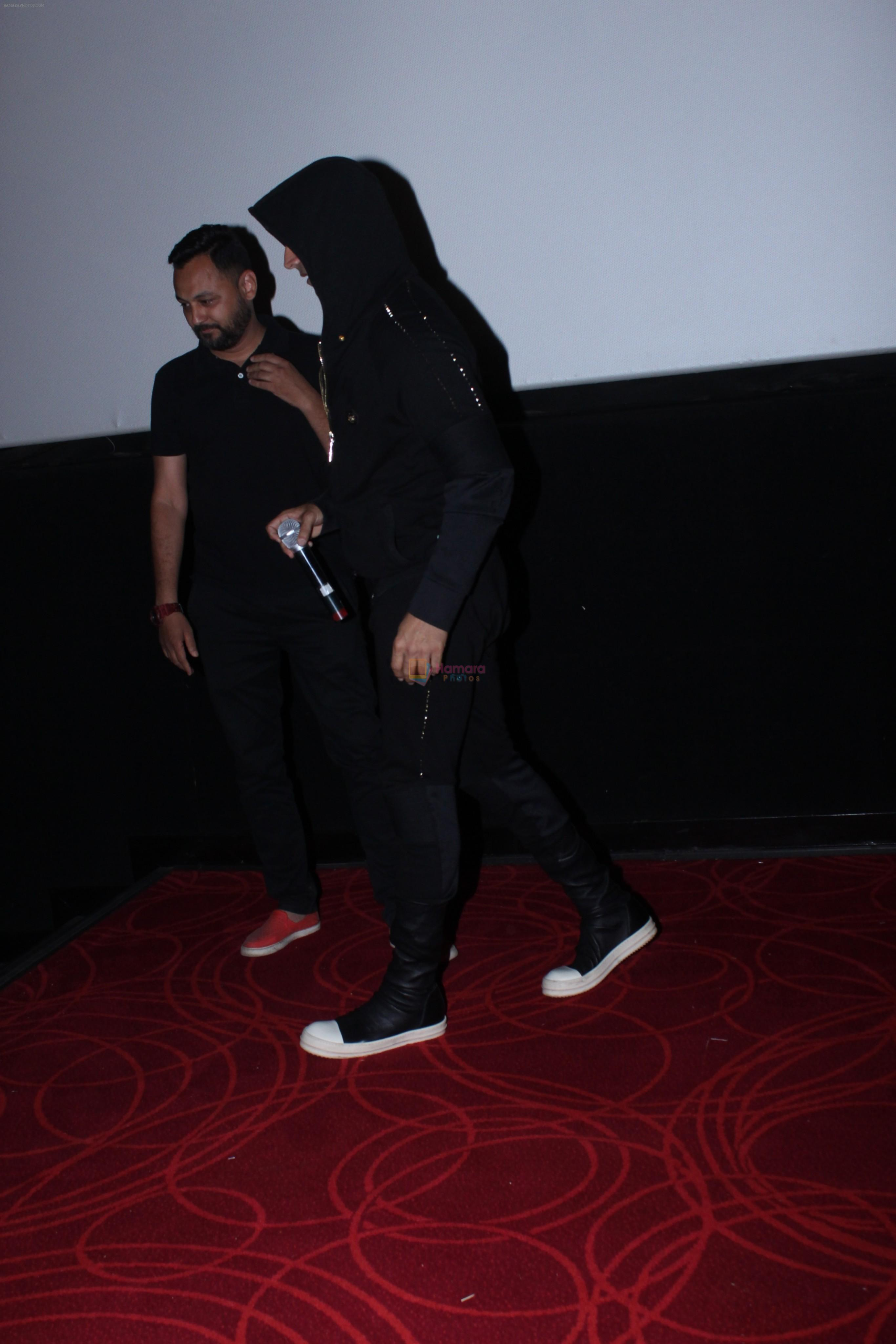 Akshay Kumar meets the fans at pvr juhu on 20th March 2019